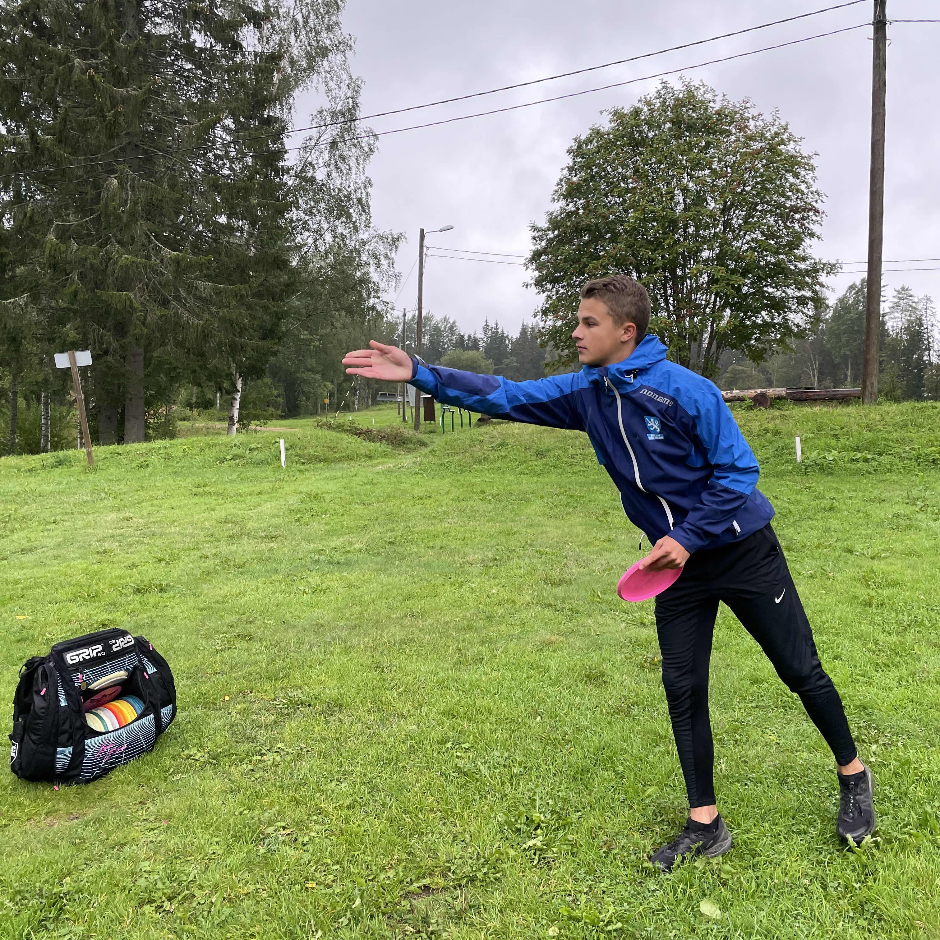 Euroopan mestari Niklas Anttila kertoo frisbeegolfkiekoista
