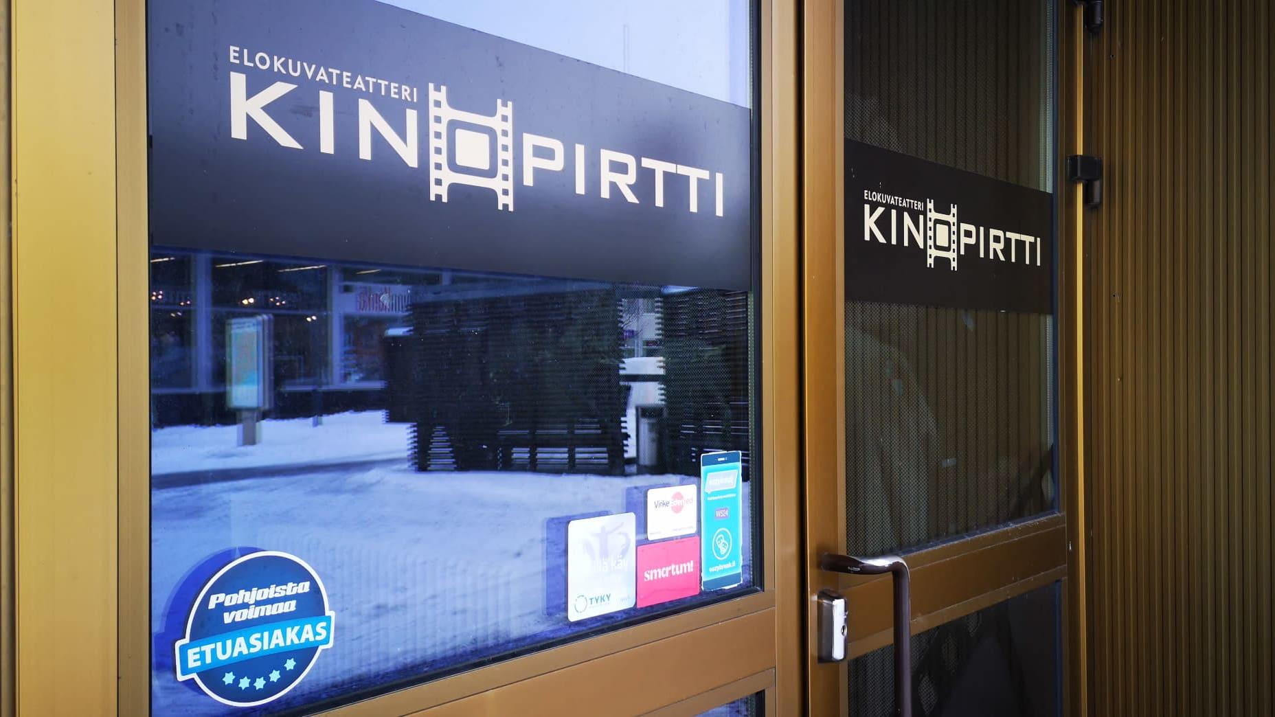 Elokuvateatteri Kinopirtin ulkoovi.