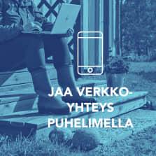 Digitreenien pääkuva. Tekstit: Jaa verkkoyhteys puhelimella, Digitreenit, yle.fi/oppiminen. Valokuvassa katsoitaan Yle Areenaa läppärillä laiturilla.