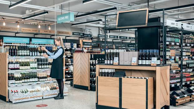 Alkon myymalöissä lisääntyy kesällä muun muassa roseviinien ja alkoholittomien juomien myynti.