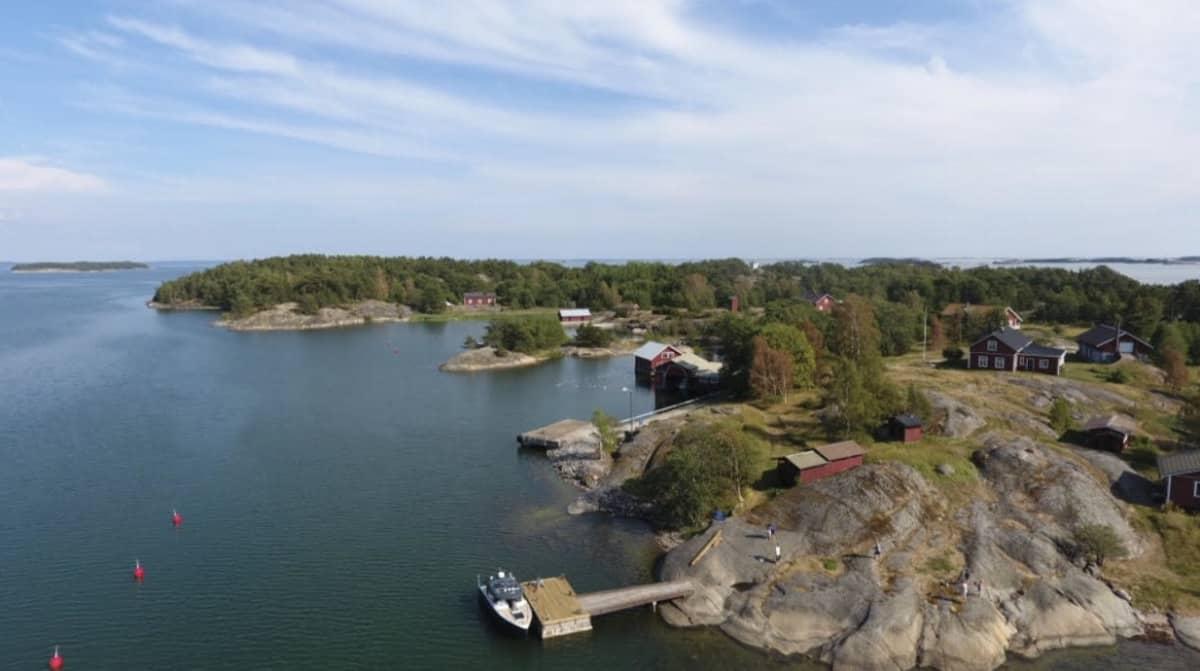 Gullkronan saari Saaristomerellä