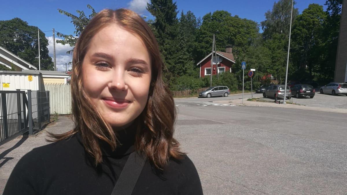 Laura Johansson on perehtynyt ikäihmisten digiosaamiseen