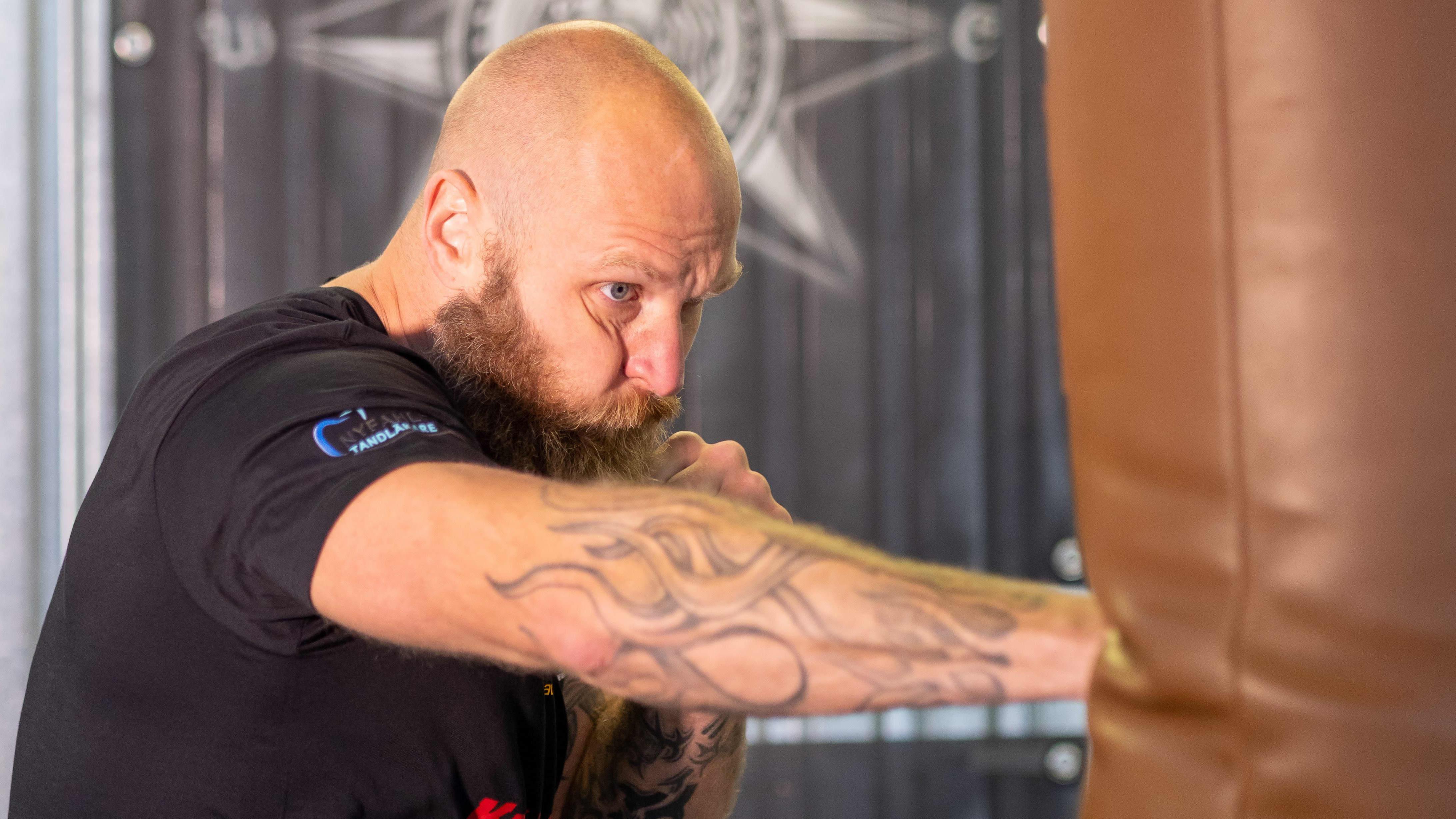 Nyrkkeilijä Robert Helenius harjoittelee Maarianhaminassa 31. elokuuta 2021.