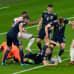 Englannin maalille toimittama pallo saa aikaan kunnon sekasotkun