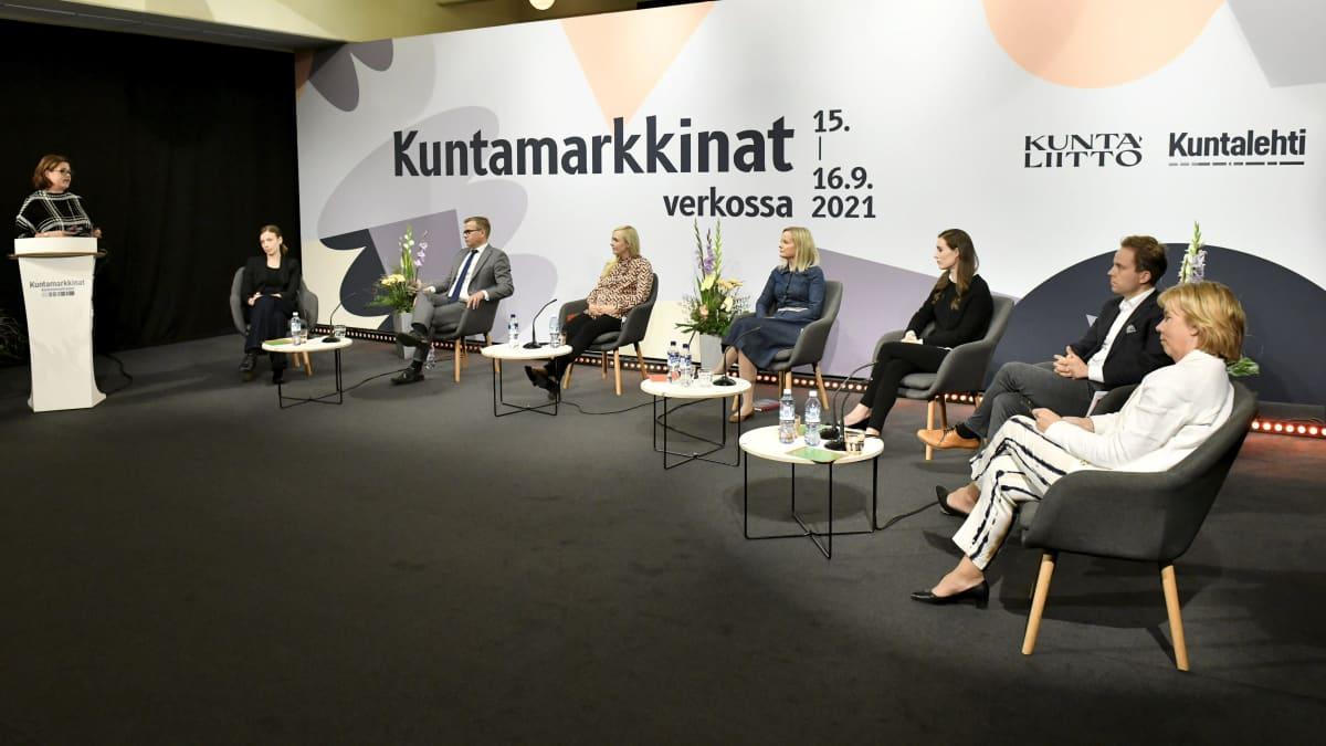 Minna Karhunen, Li Andersson,Petteri Orpo, Maria Ohisalo, Riikka Purra, Sanna Marin, Petri Honkonen sekä Anna-Maja Henriksson.
