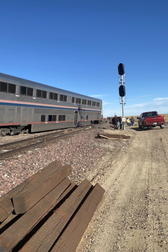 Amtrakin raiteilta suistunut juna Joplinissa.
