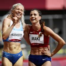 Sara Kuivisto ja Kristiina Mäki iloitsivat 1500 metrin välieräpaikasta.