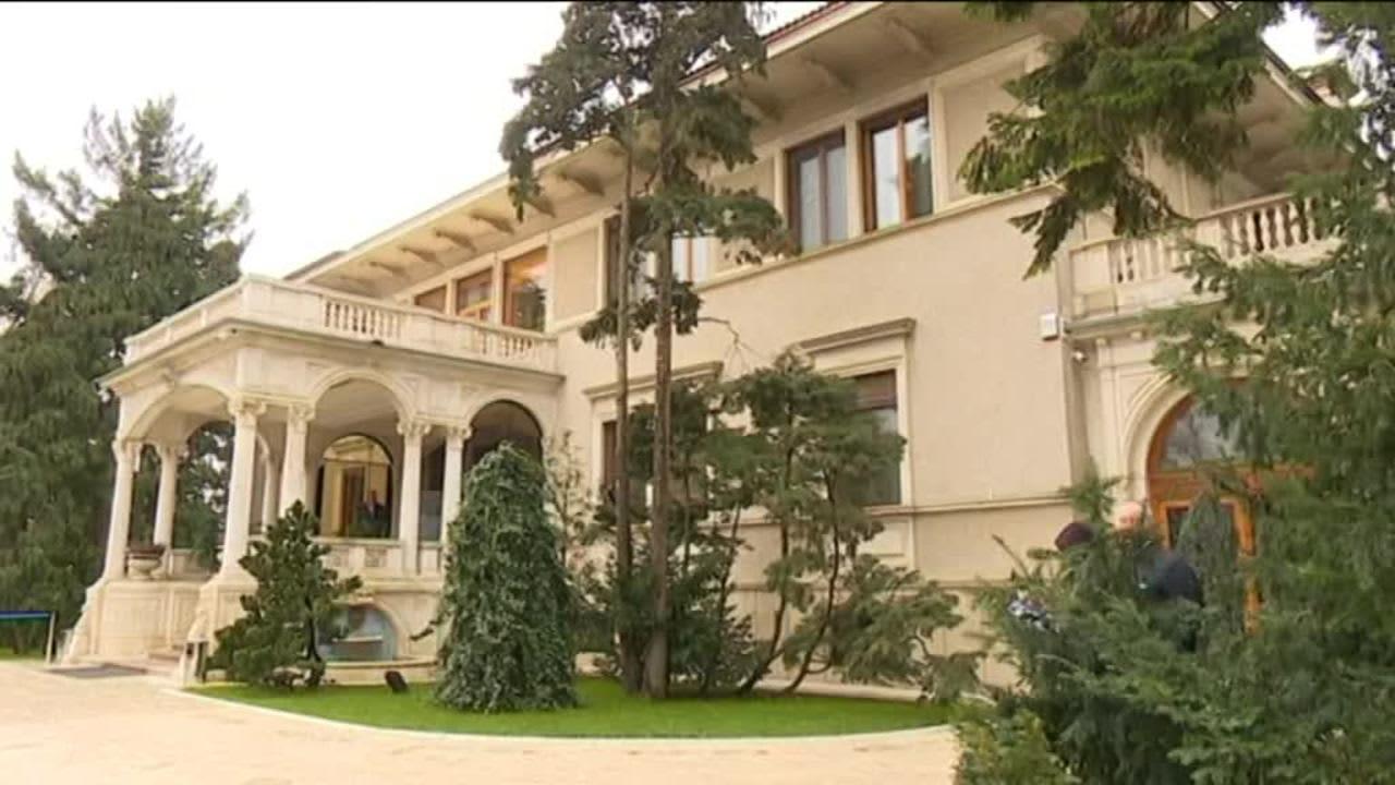 Uutisvideot: Romania avasi Ceausescun palatsin yleisölle