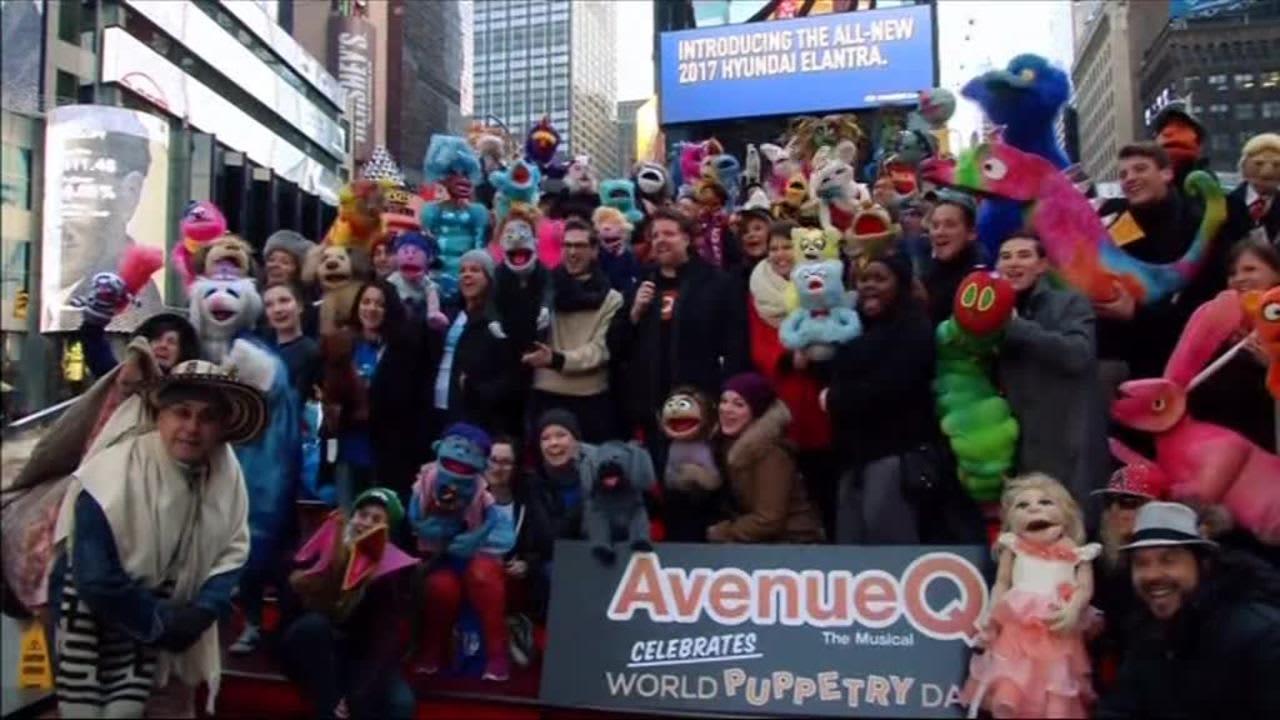 Uutisvideot: Nuket valtasivat New Yorkin Times Squaren