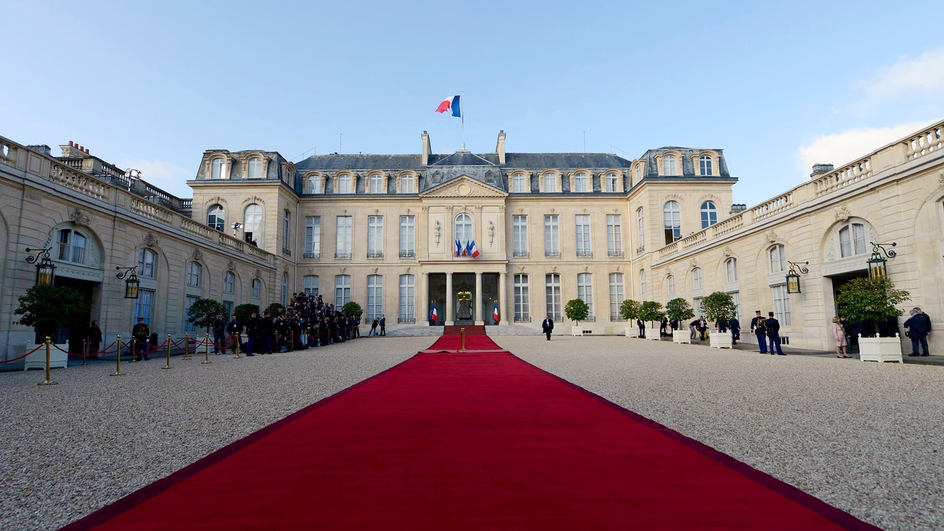 Macron julistetaan Ranskan presidentiksi
