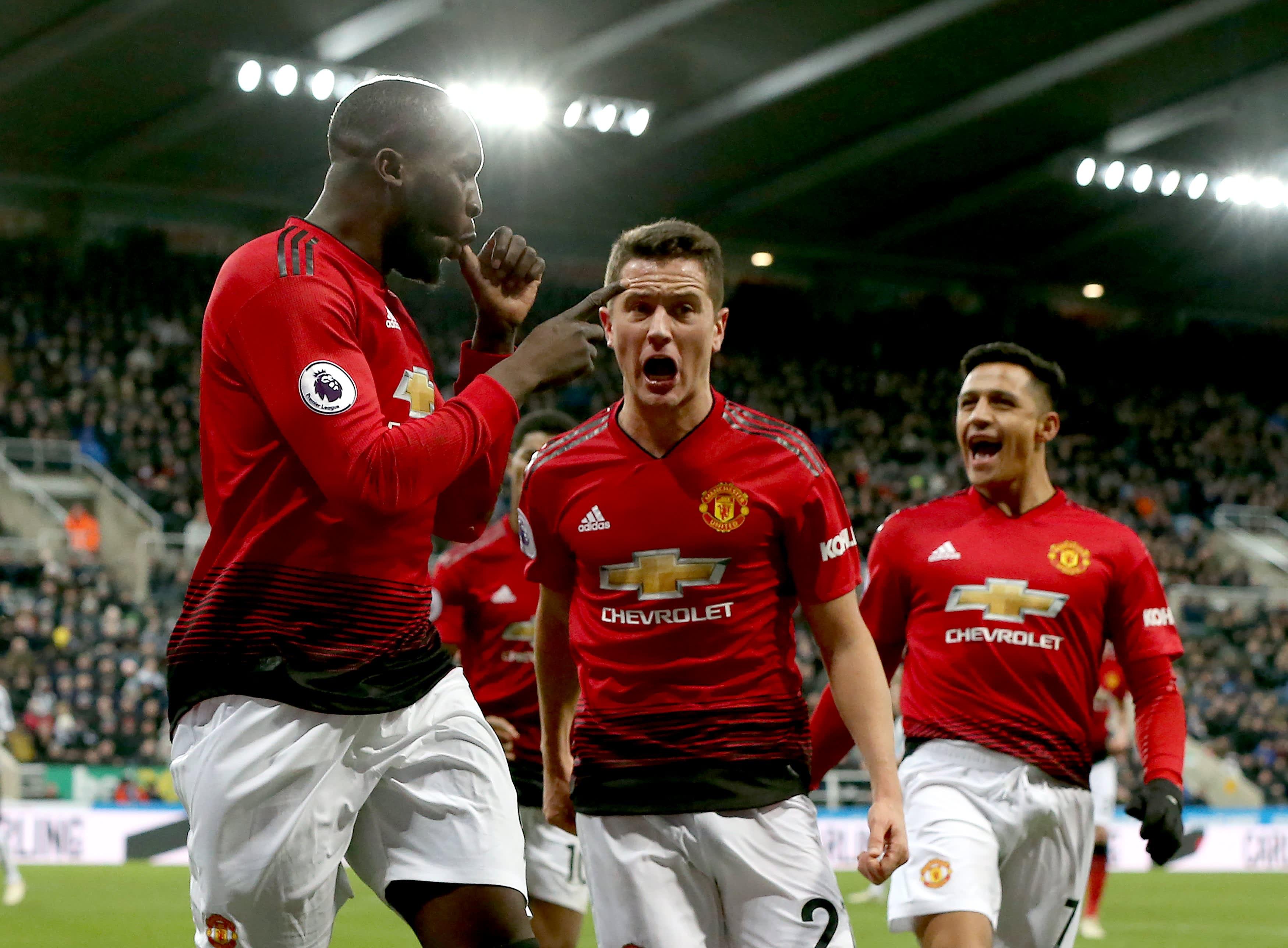 Man United jyräsi voittoon Newcastlessa - katso ottelun maalit