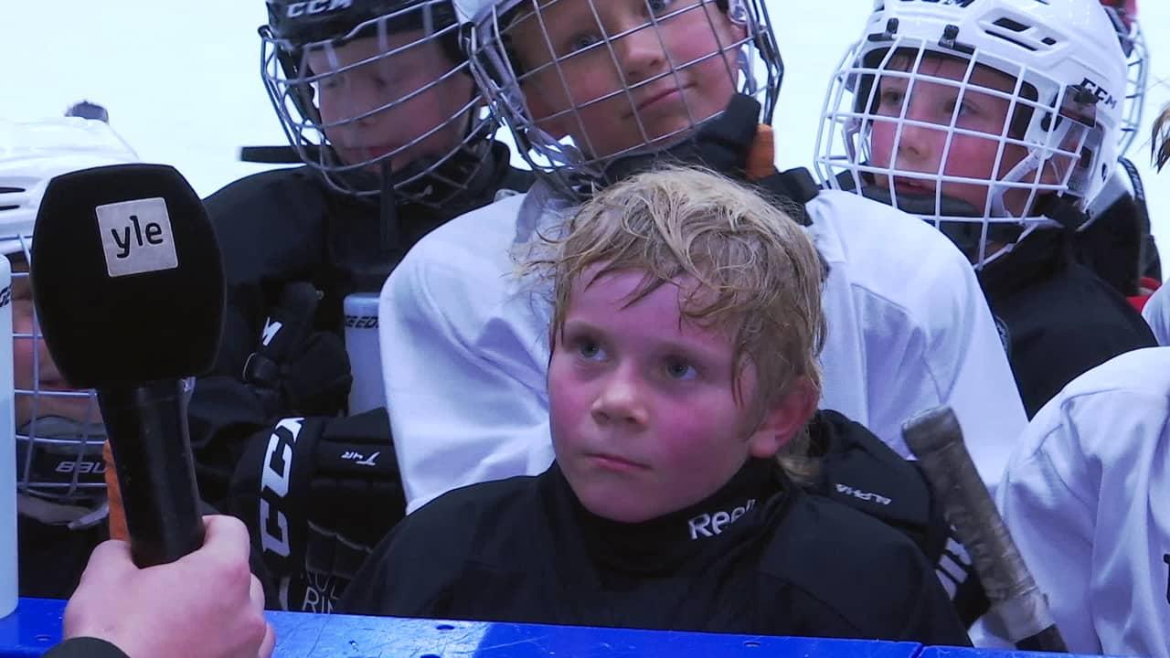2010-luvulla syntyneet juniorit treenaavat esikuviensa valmennuksessa Vantaan Tikkurilassa
