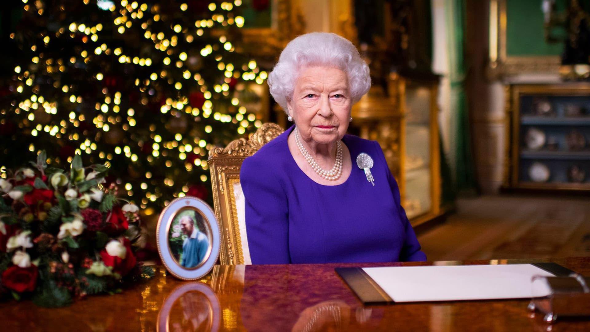 Englannin kuningatar Elisabetin perinteinen joulupuhe
