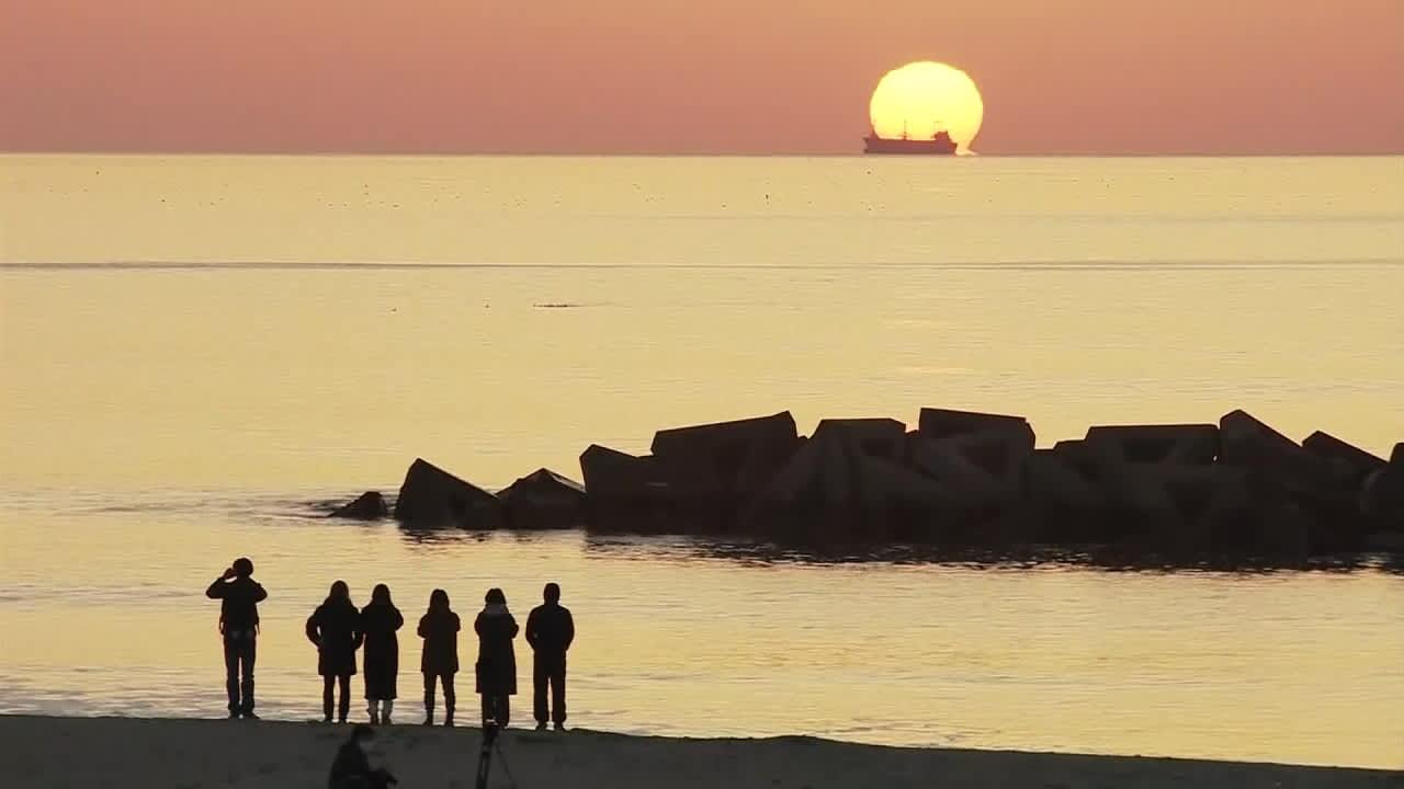 Japanissa on muistettu kymmenen vuoden takaisen tsunamin ja ydinvoimalaonnettomuuden uhreja