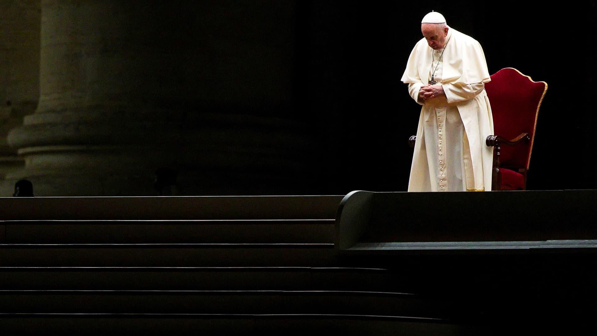 Vatikaanin pääsiäinen alkoi ilman  yleisöä koronarajoitusten varjossa