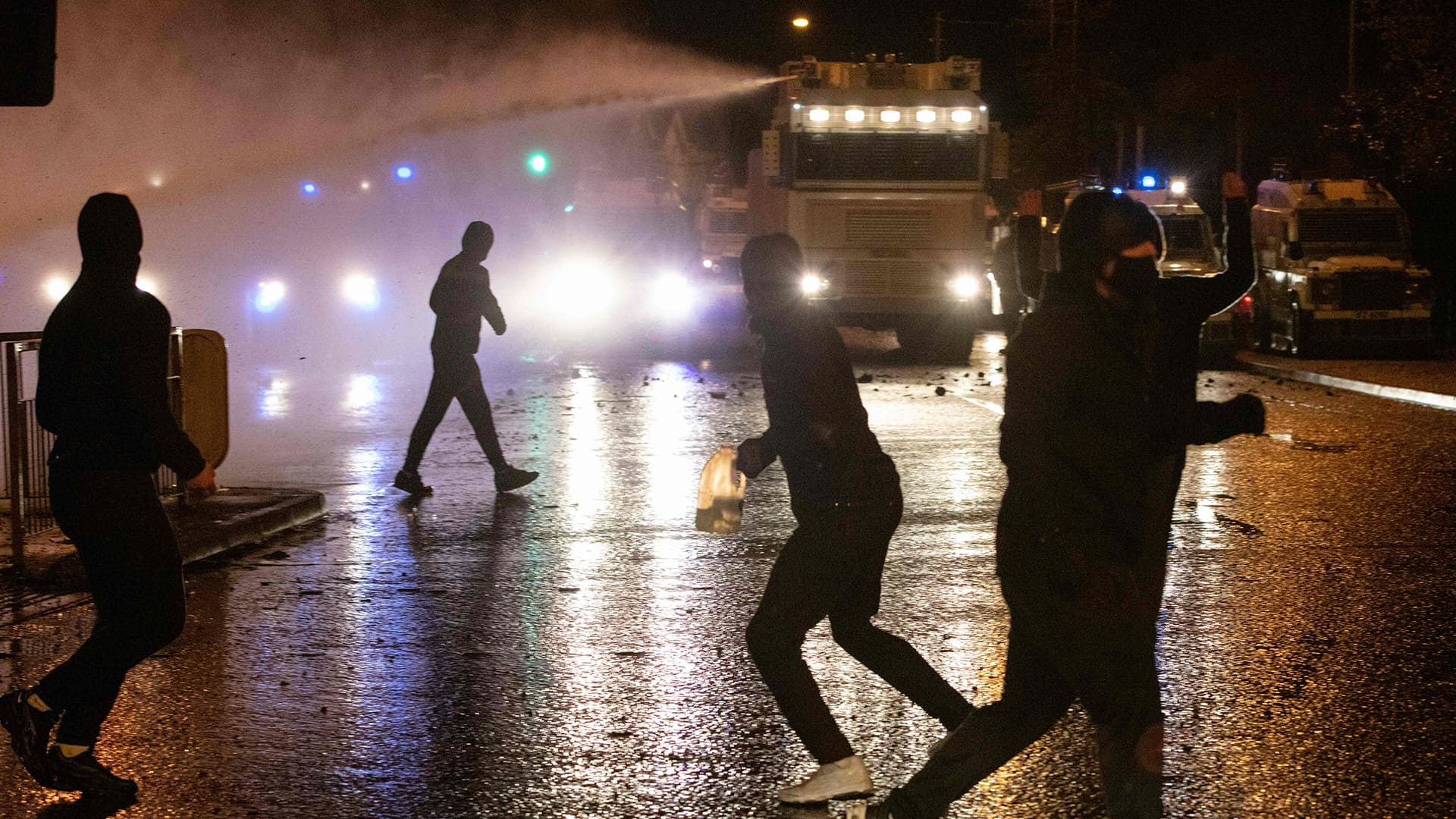 Väkivaltaisuudet jatkuvat Pohjois-Irlannissa