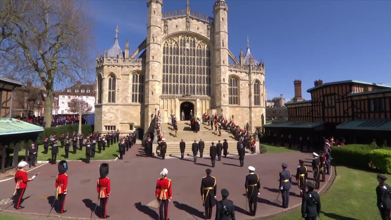 Kooste prinssi Philipin hautajaispäivän tunnelmista