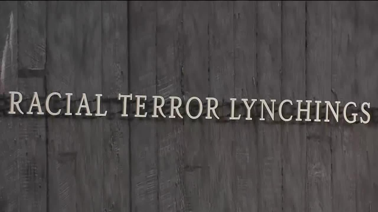 Uutisvideot: Muistomerkki 4 400 lynkkausten uhrille avattiin Alabamassa