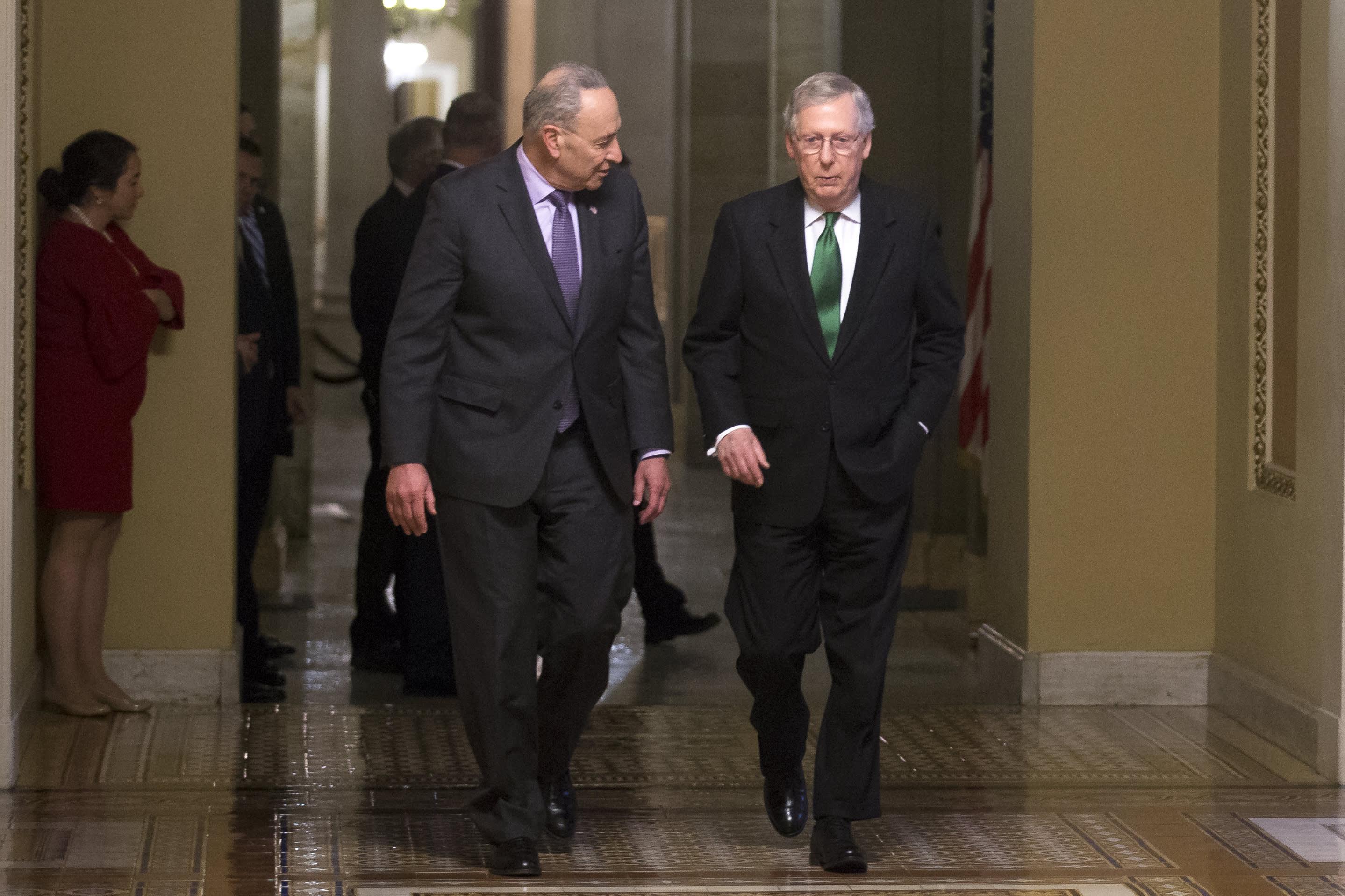 Senaatin republikaanijohtaja Mitch McConnell ja demokraattijohtaja Chuck Schumer