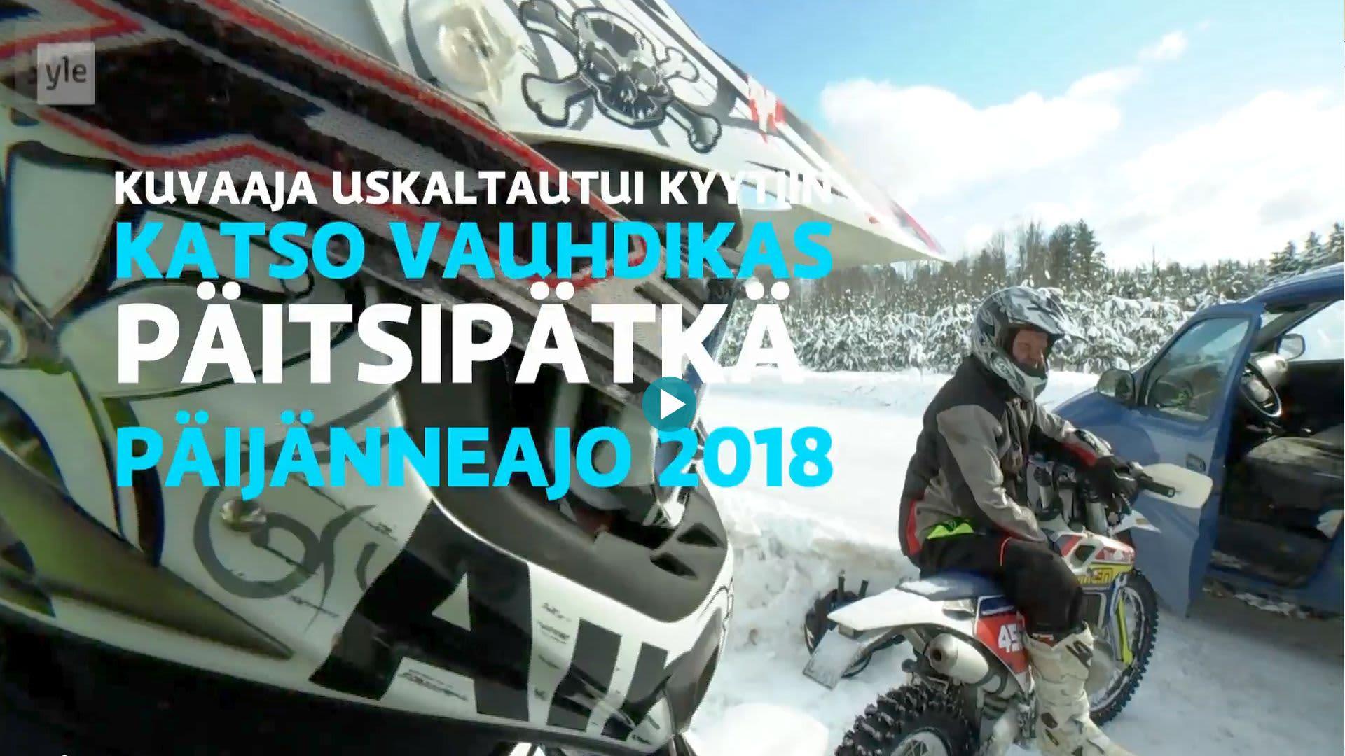 Kuvaaja Isto Janhunen apulaisratamestari Veli-Matti Mäkisen enduron kyydissä Jämsässä.