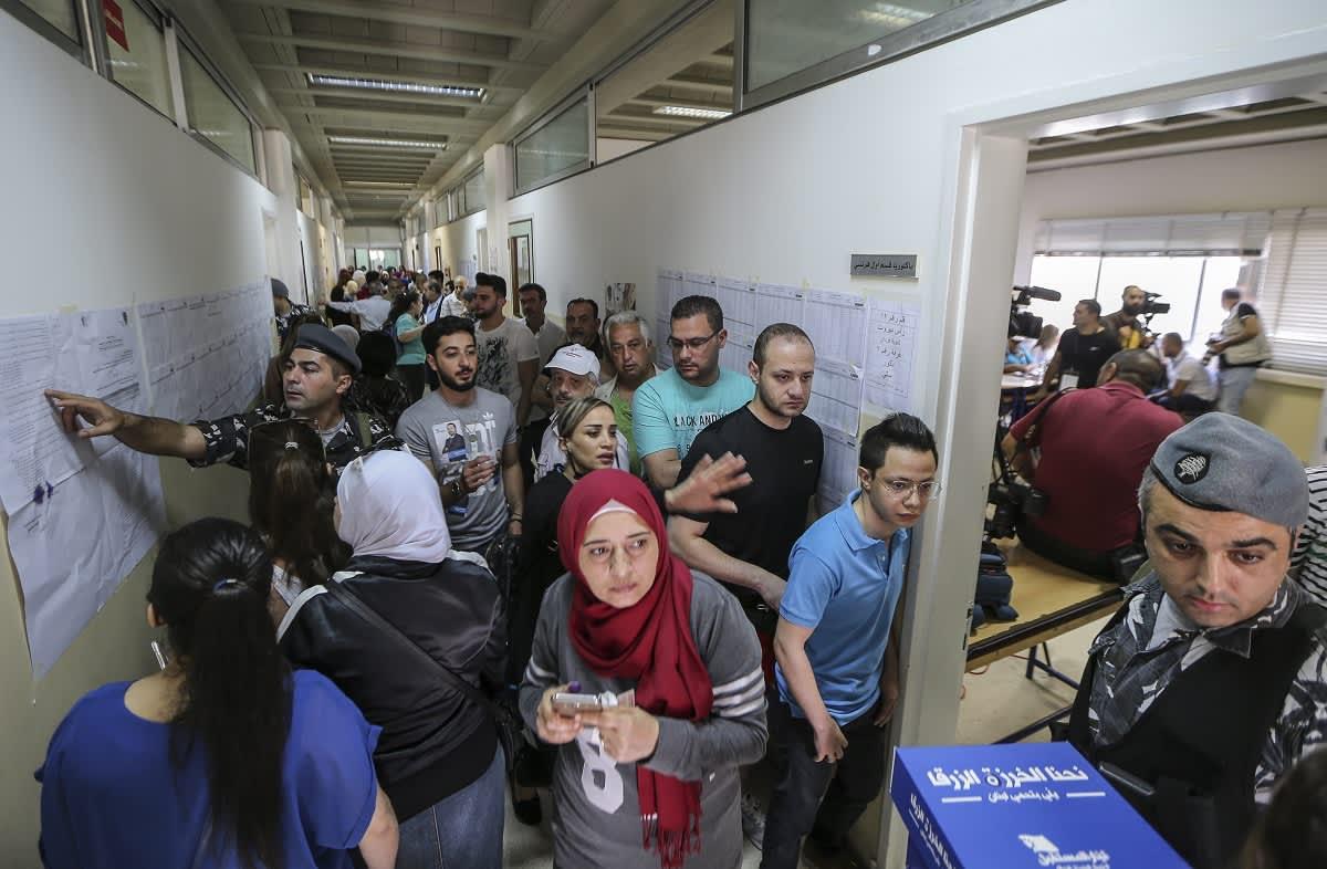 Äänestäjiä Beirutissa.
