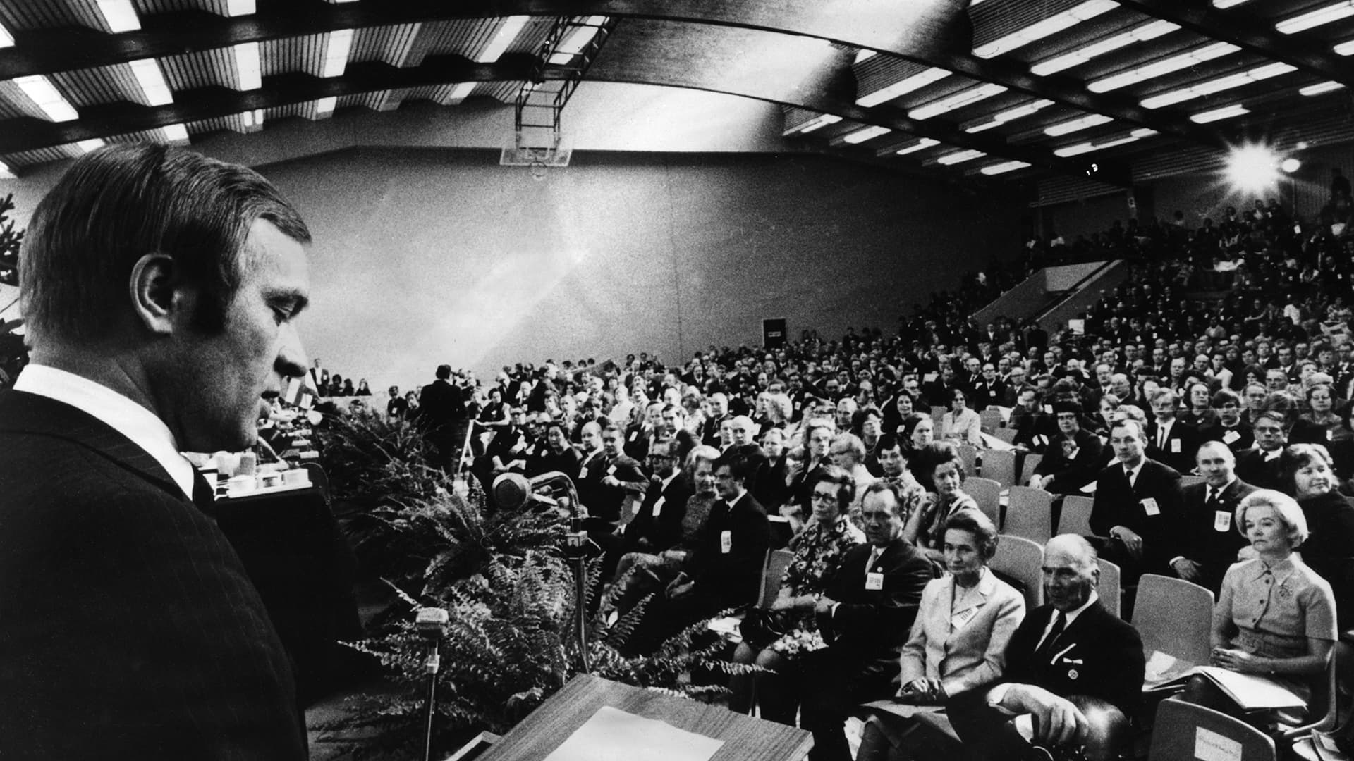 Yleiskuvaa kokoomuksen puoluekokouksesta vuodelta 1971.
