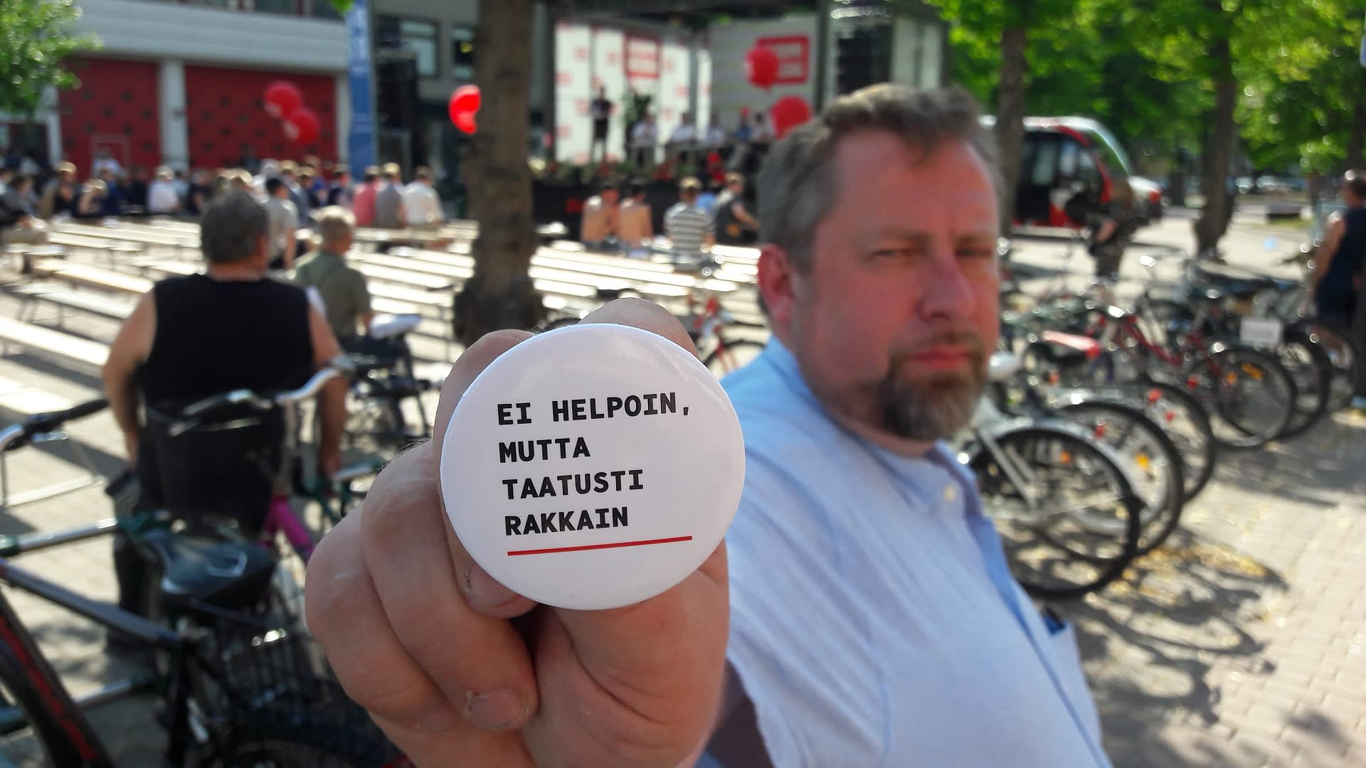 Toimittaja ja kirjailija Jussi Lähde