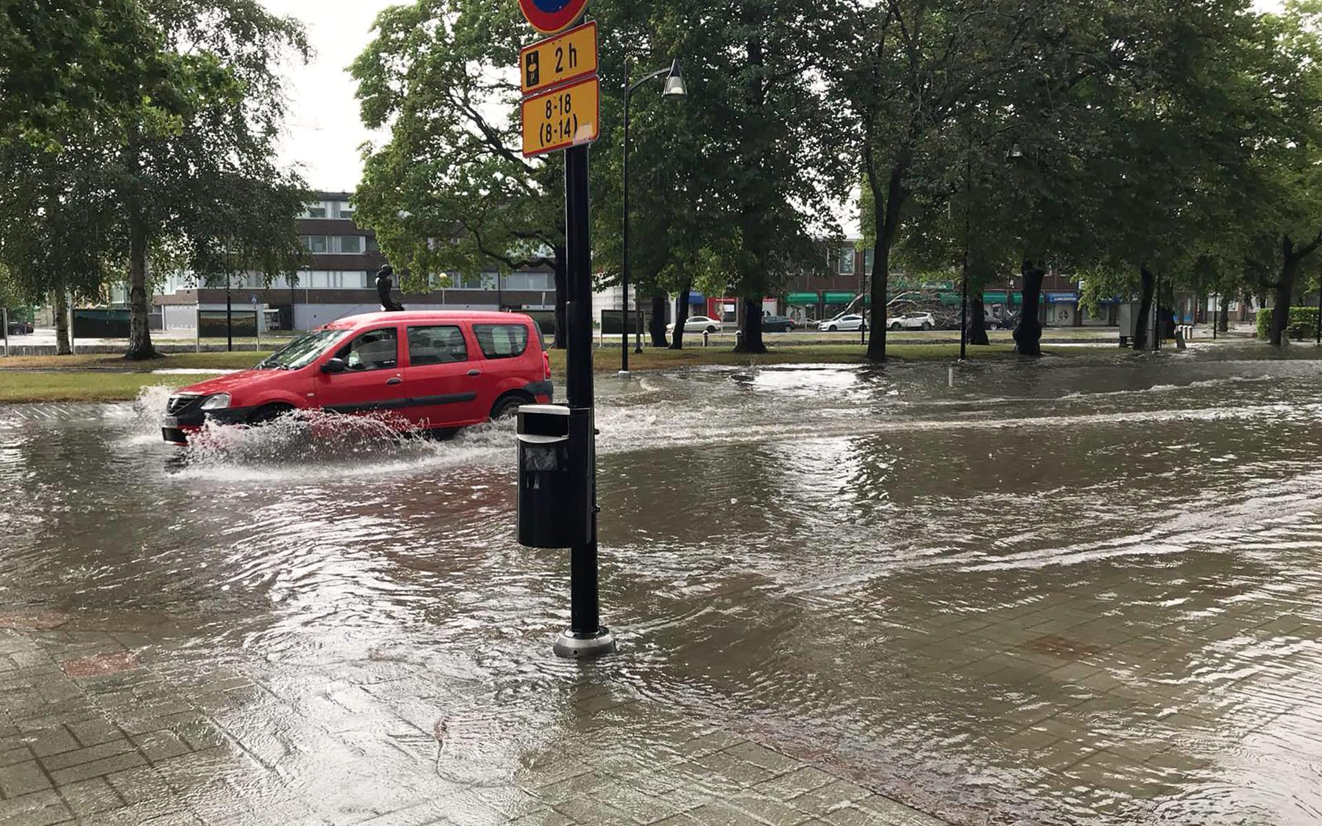 Rankkasade nosti vettä kaduille Raumalla 30. heinäkuuta