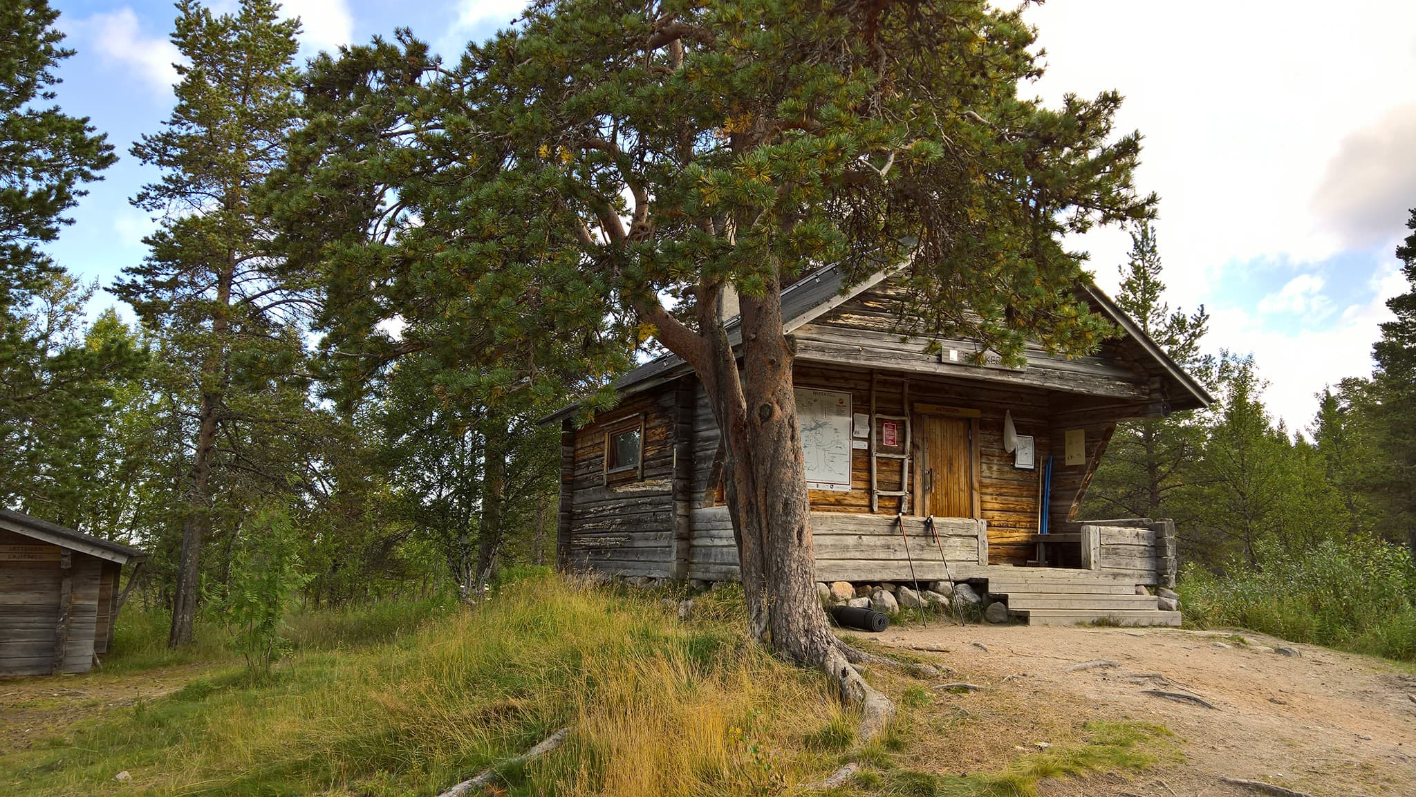 Pyhäkeron autiotupa Enontekiöllä Pallas-Yllästunturin kansallispuistossa.