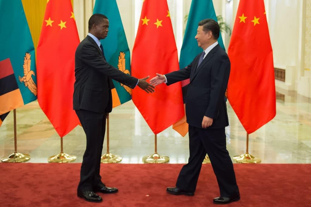 Sambia presidentti Edgar Lungu (vas.) ja Kiinan presidentti Xi Jinping.
