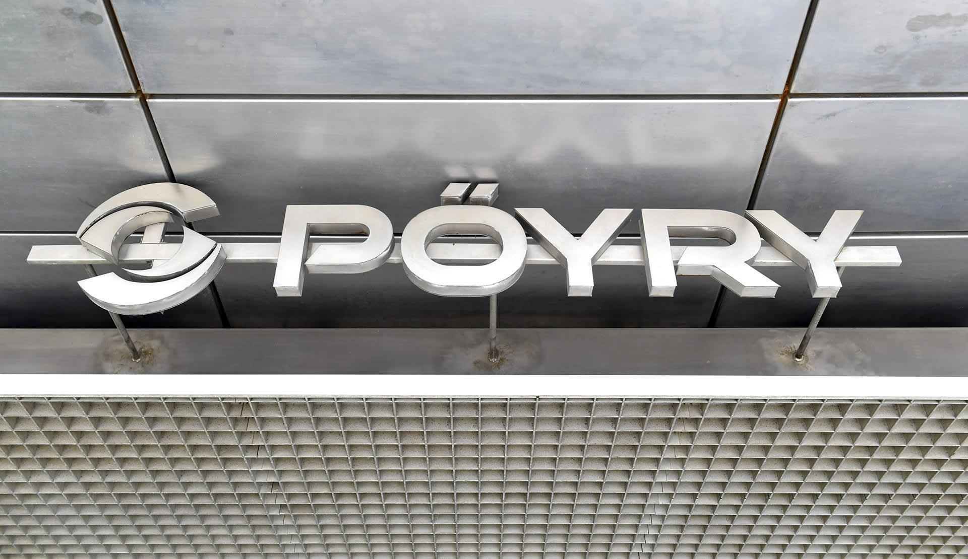Pöyryn logo yhtiön pääkonttorin seinässä Vantaalla.