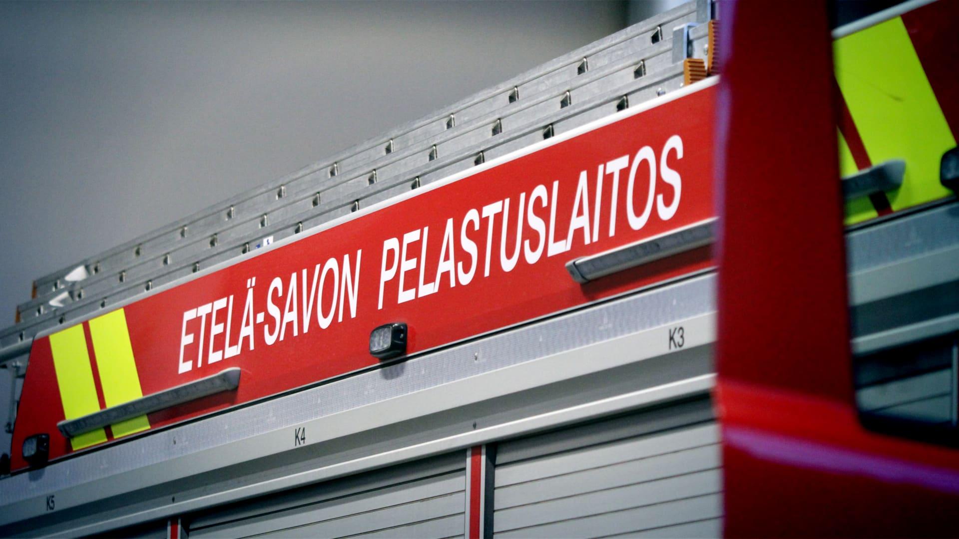 Paloauton kyljessä ESPL:n teksti.
