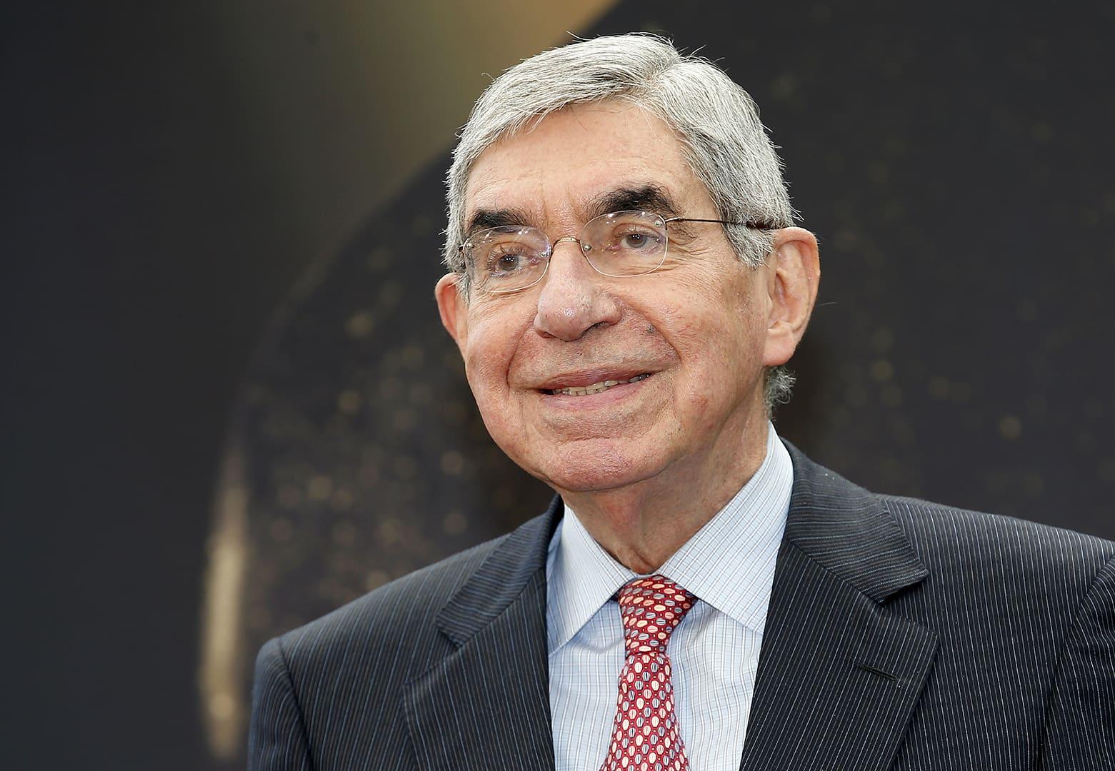 Costa Rican entinen presidentti Oscar Arias.