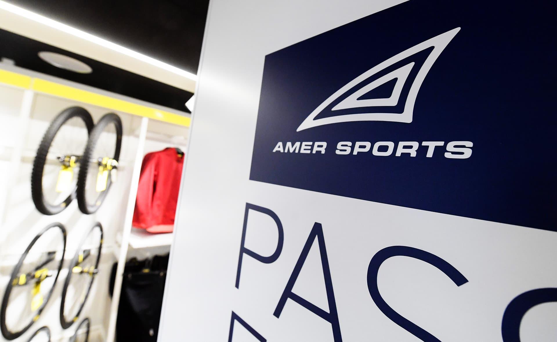 Suomalainen urheiluvälinekonserni Amer Sports Oyj:n  Amer Sports Brand store - myymälä