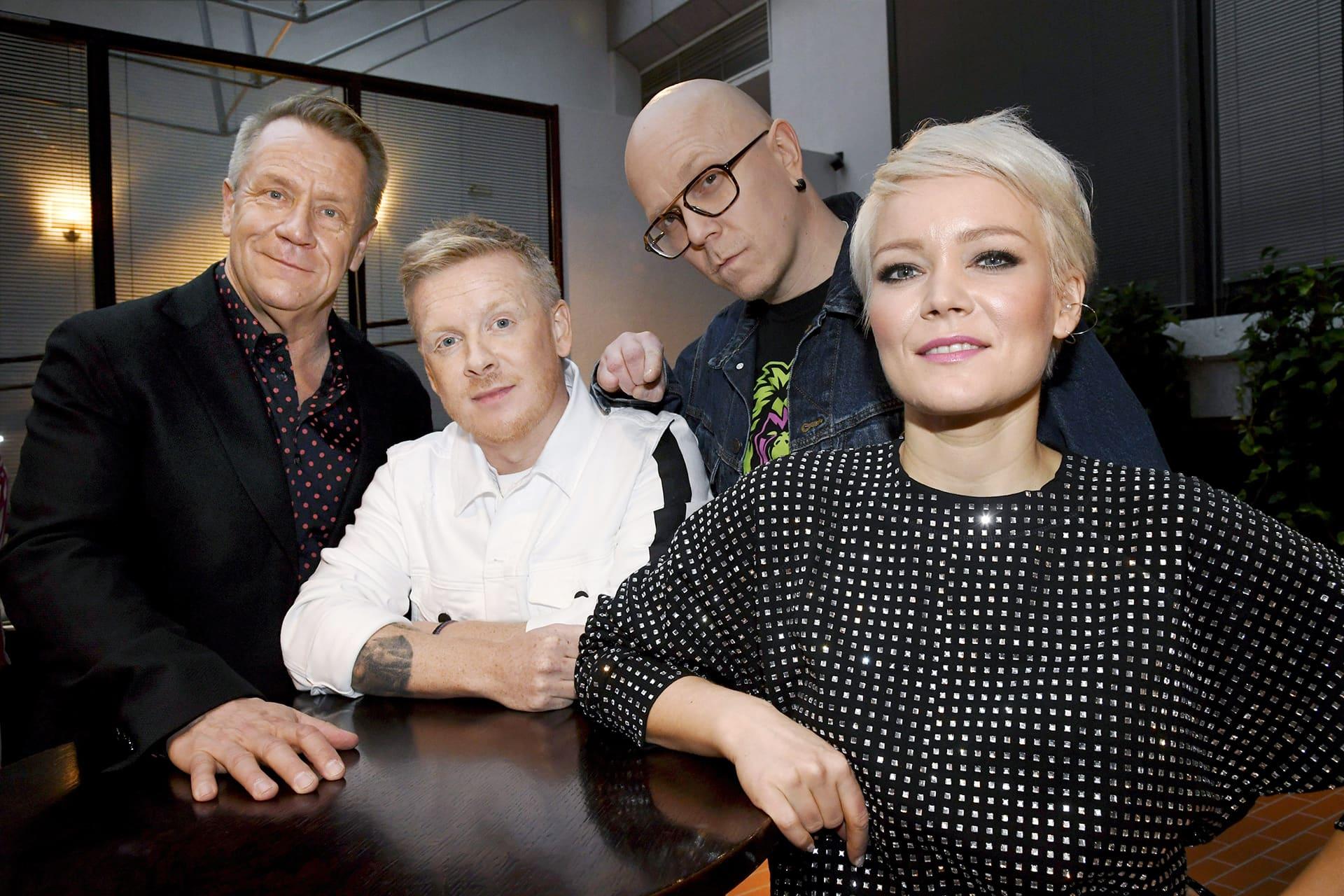 The Voice of Finland laulukilpailun tähtivalmentajat Olli Lindholm (vas.), Redrama, Toni Wirtanen ja Anna Puu