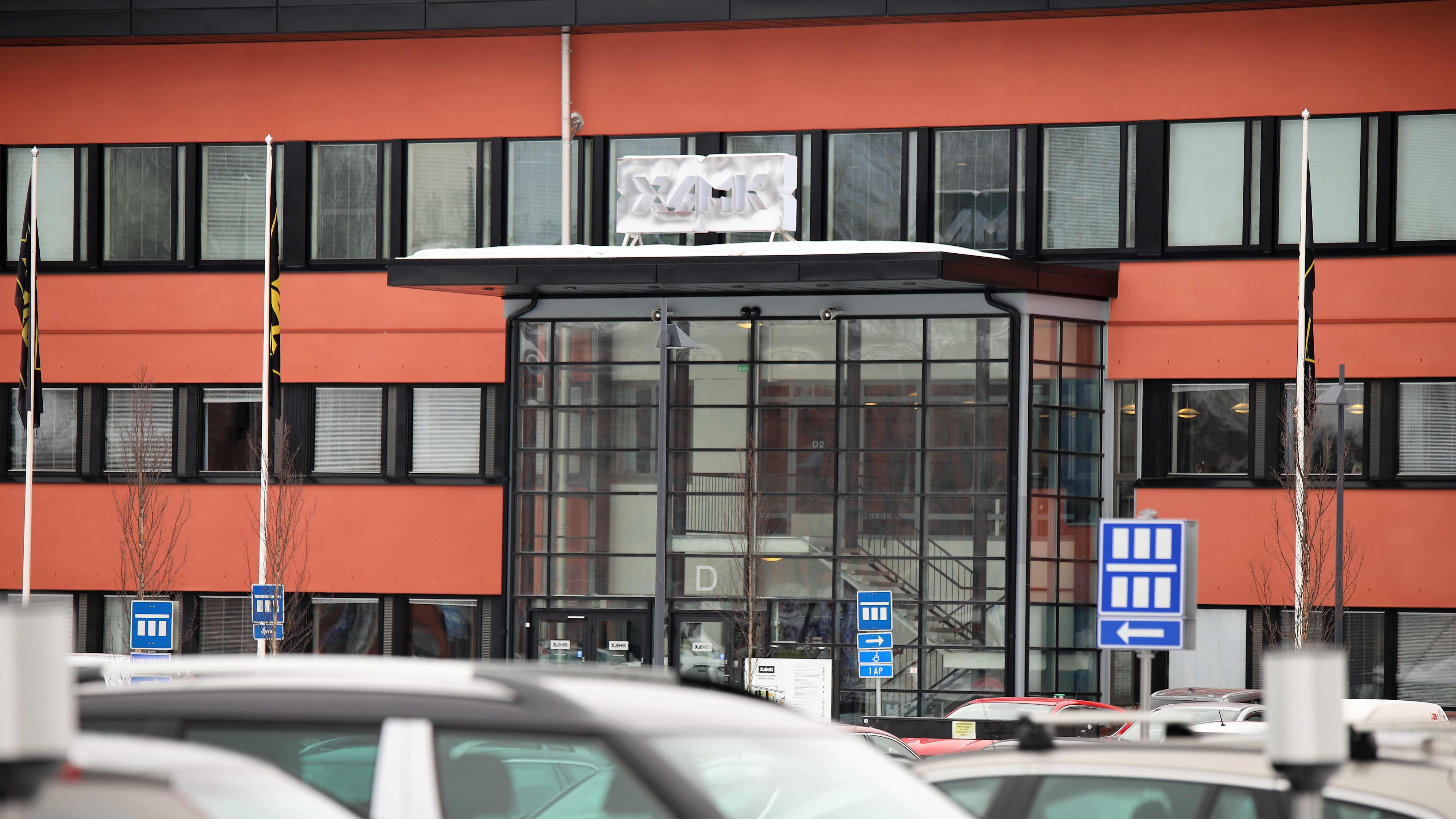 Kaakkois-Suomen ammatikorkeakoulun Mikkelin kampuksen sisäänkäynti