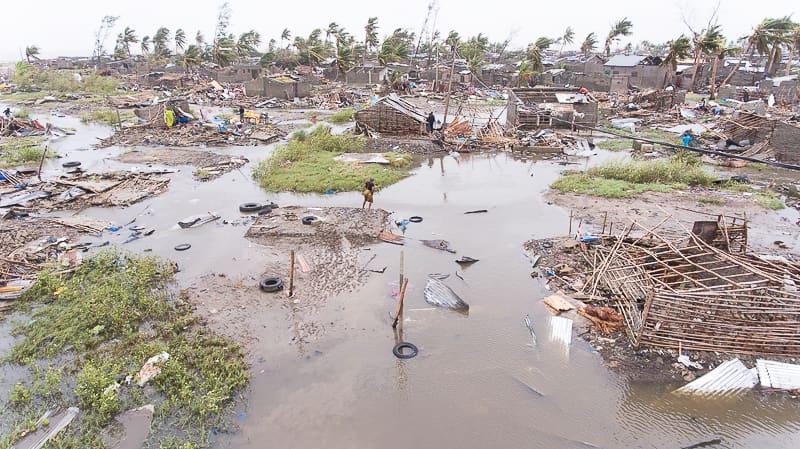 Praia Novan kylä Breirassa Mosambikissa syklonin jäljiltä.