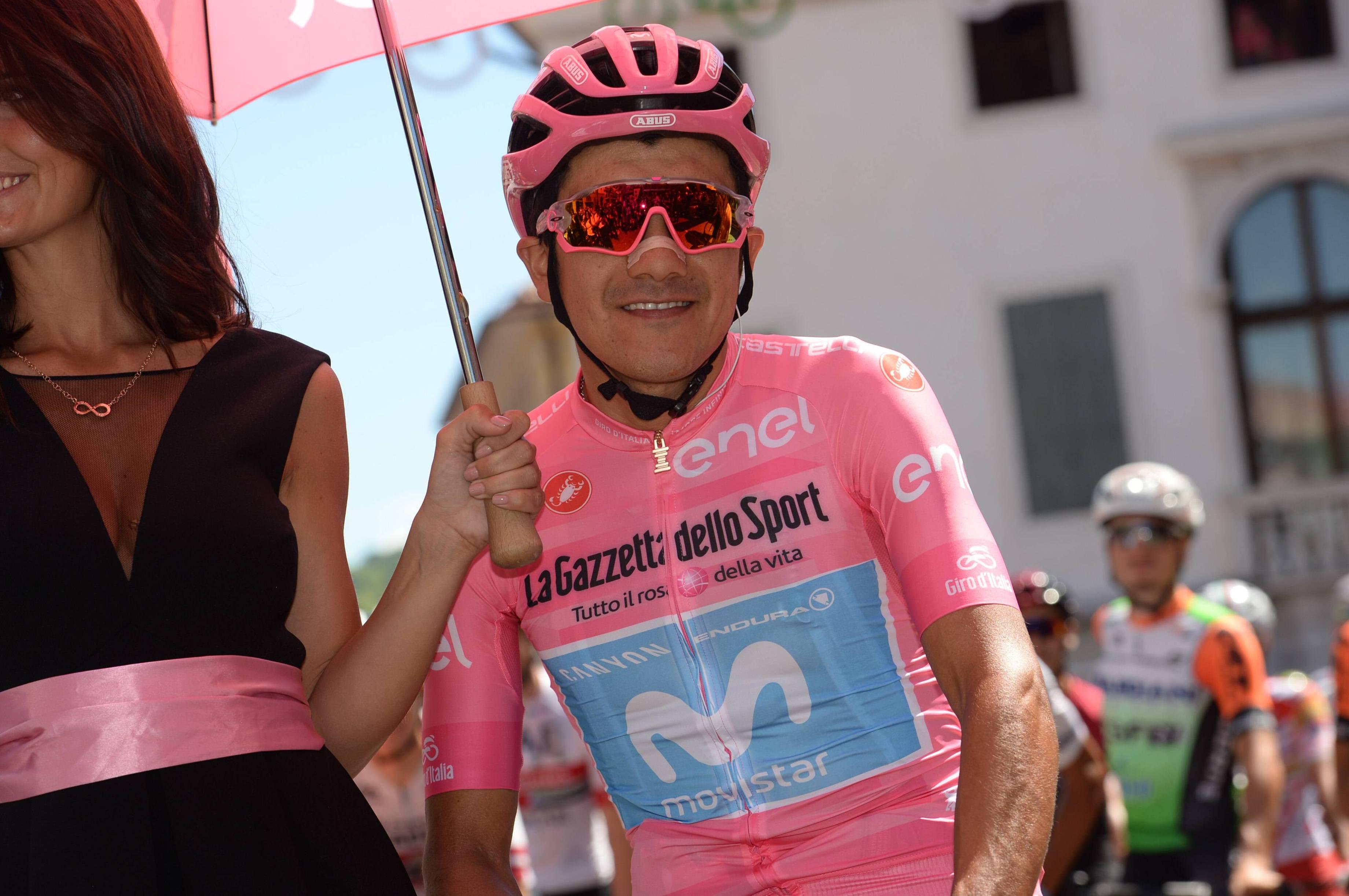 Ricahrd Carapaz on lähellä Italian ympäriajon voittoa.