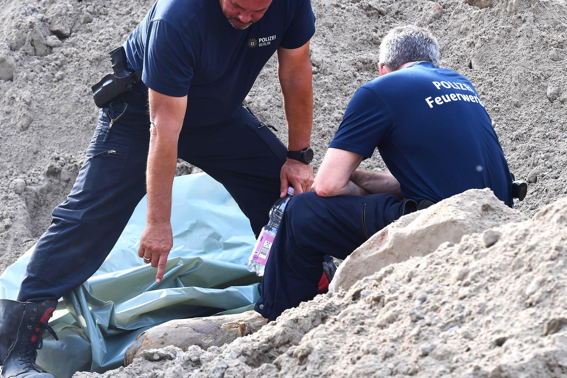 Poliisin erikoisryhmä purki sodanaikaisen 100 kilon lentopommin berliiniläisellä rakennustyömaalla.