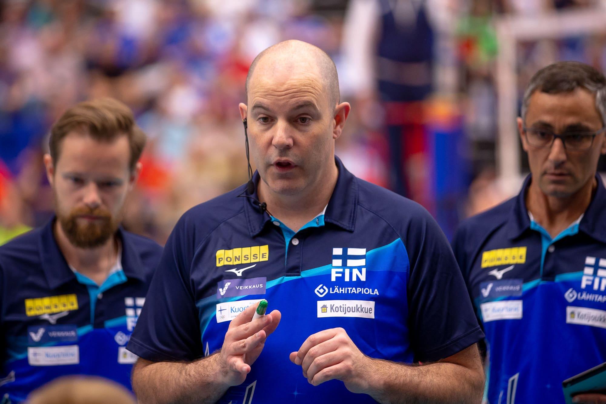 Joel Banks valmennustiimeineen haluaa keskittyä olympiakarsintaturnauksessa ja sitä ennen enimmäkseen vain oman joukkueensa peliin.