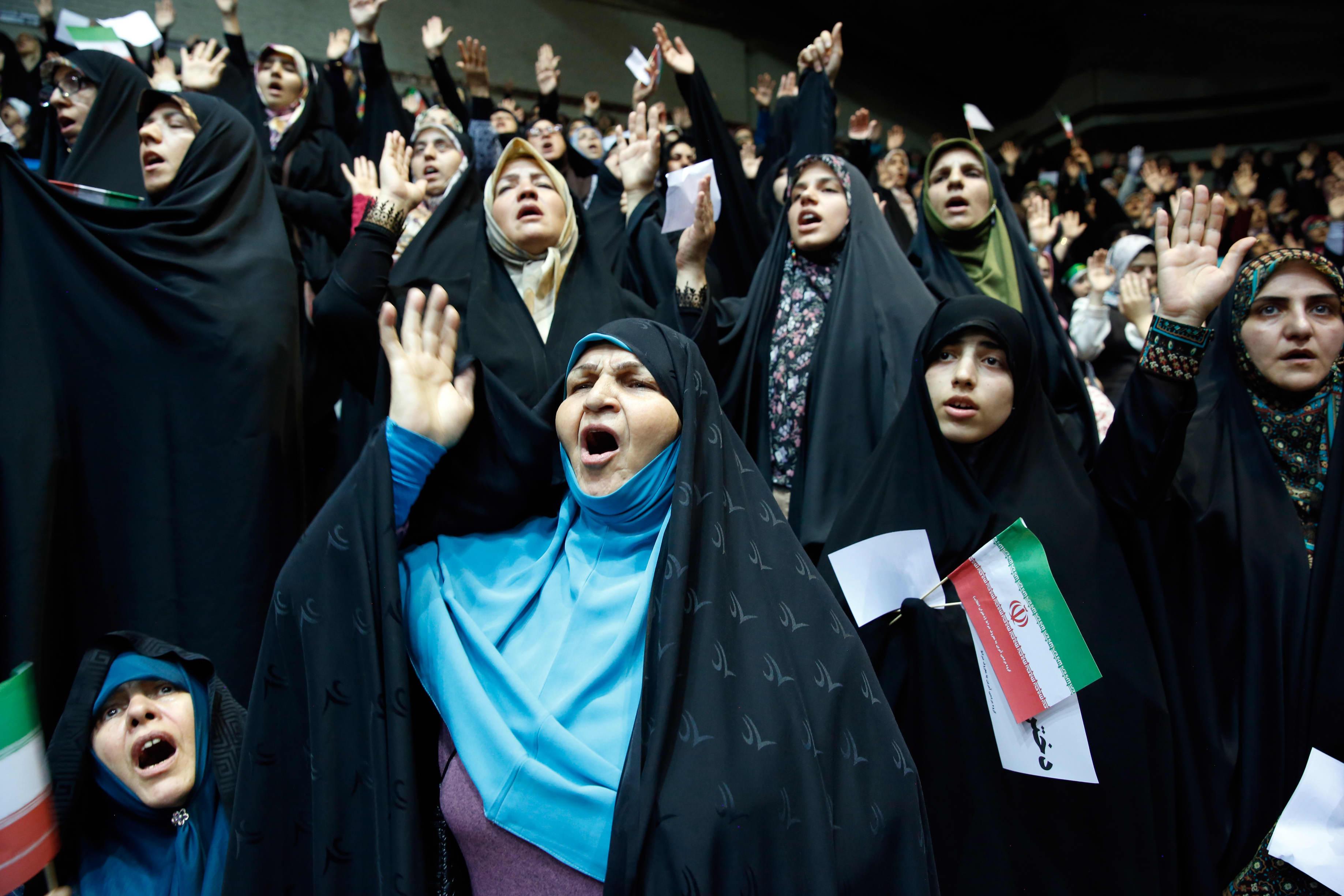 Naiset osallistuivat islamistista pukukoodia tukevaan seremoniaan Iranin pääkaupungissa Teheranissa  11. heinäkuuta 2019.
