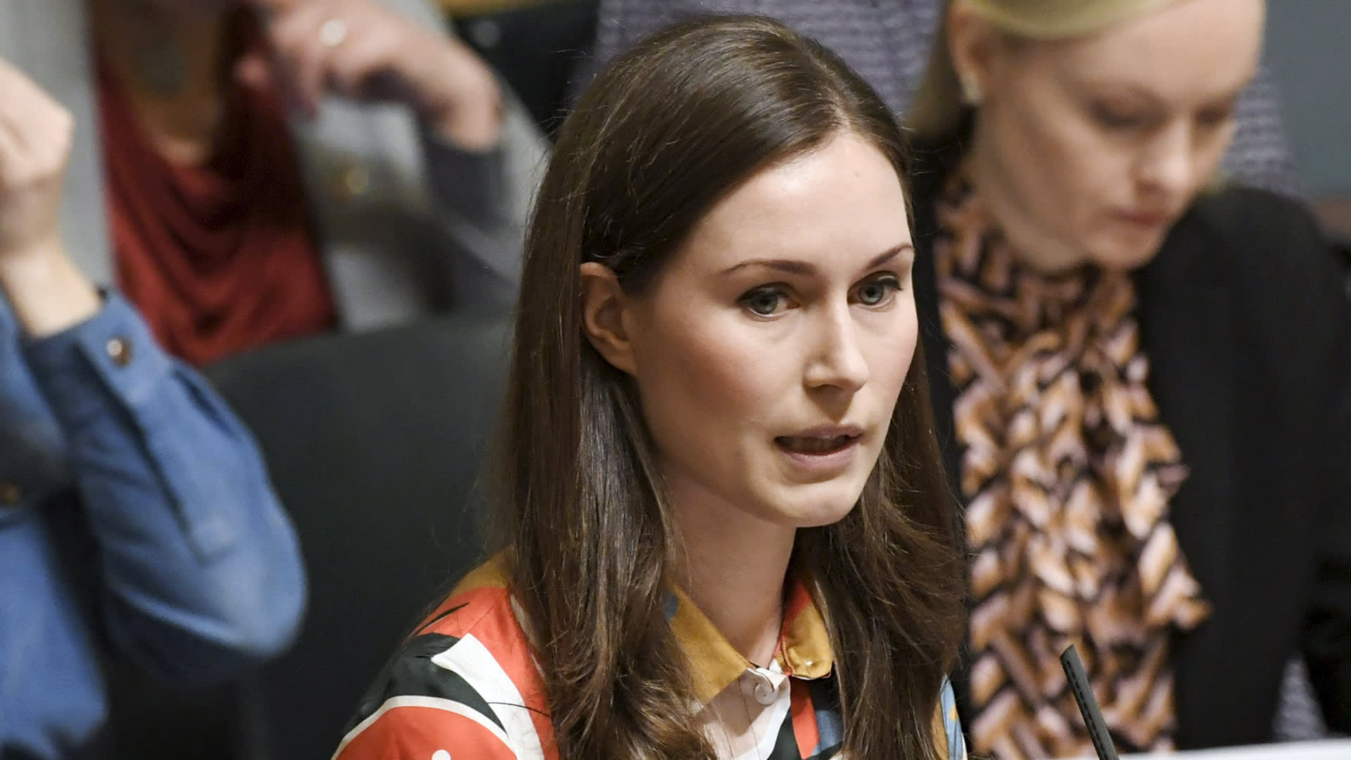 SDP:n pääministeri Sanna Marin eduskunnan täysistunnossa 16. joulukuuta.