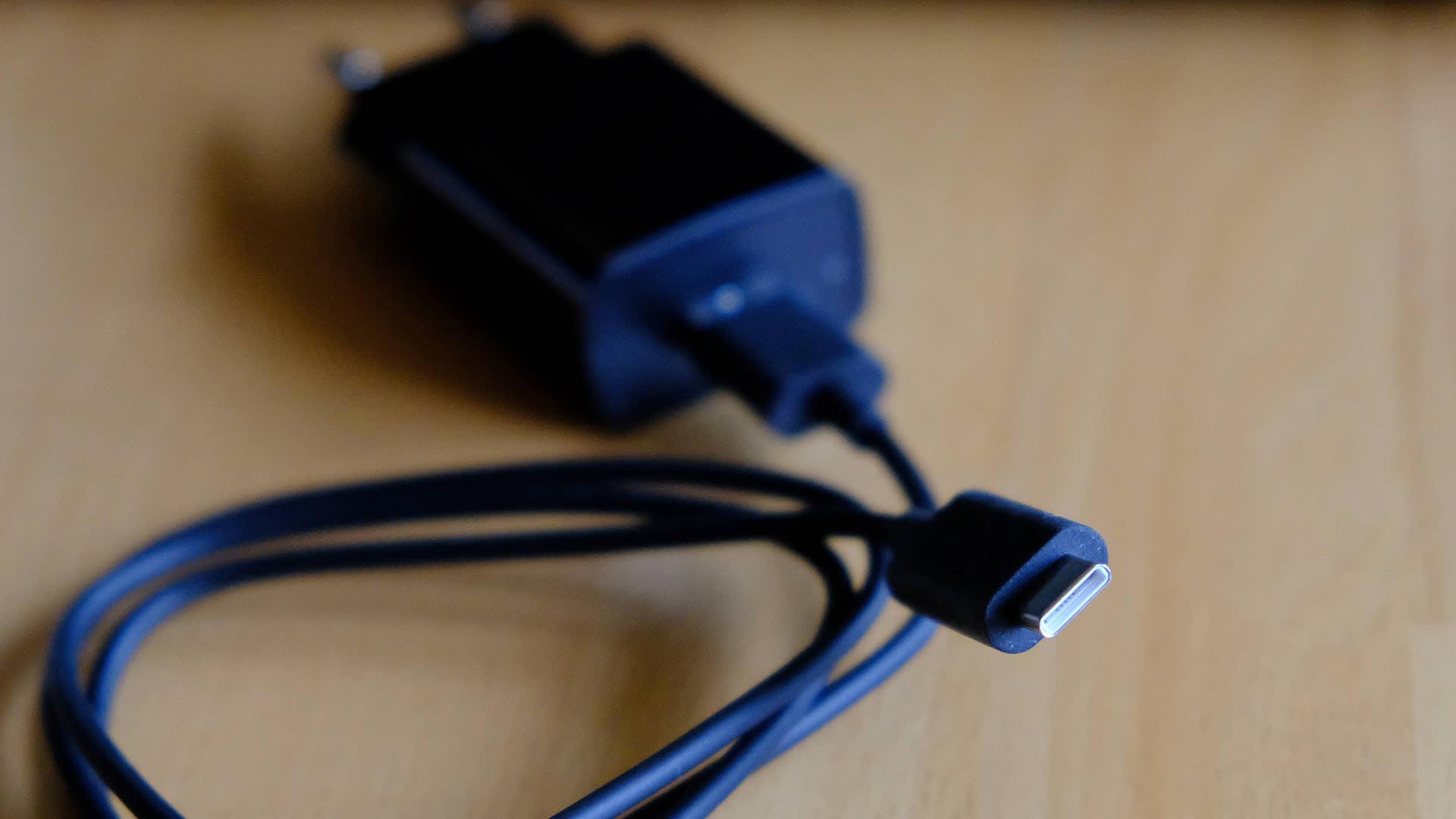 USB-C-tyypin latausjohto.