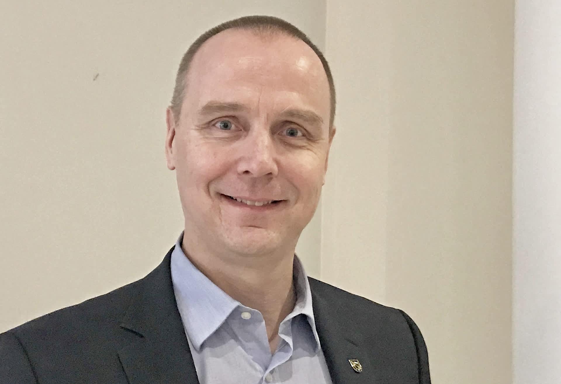 Keskustan puoluevaltuuston ja Pohjois-Savon piirin puheenjohtaja Antti Kivelä.