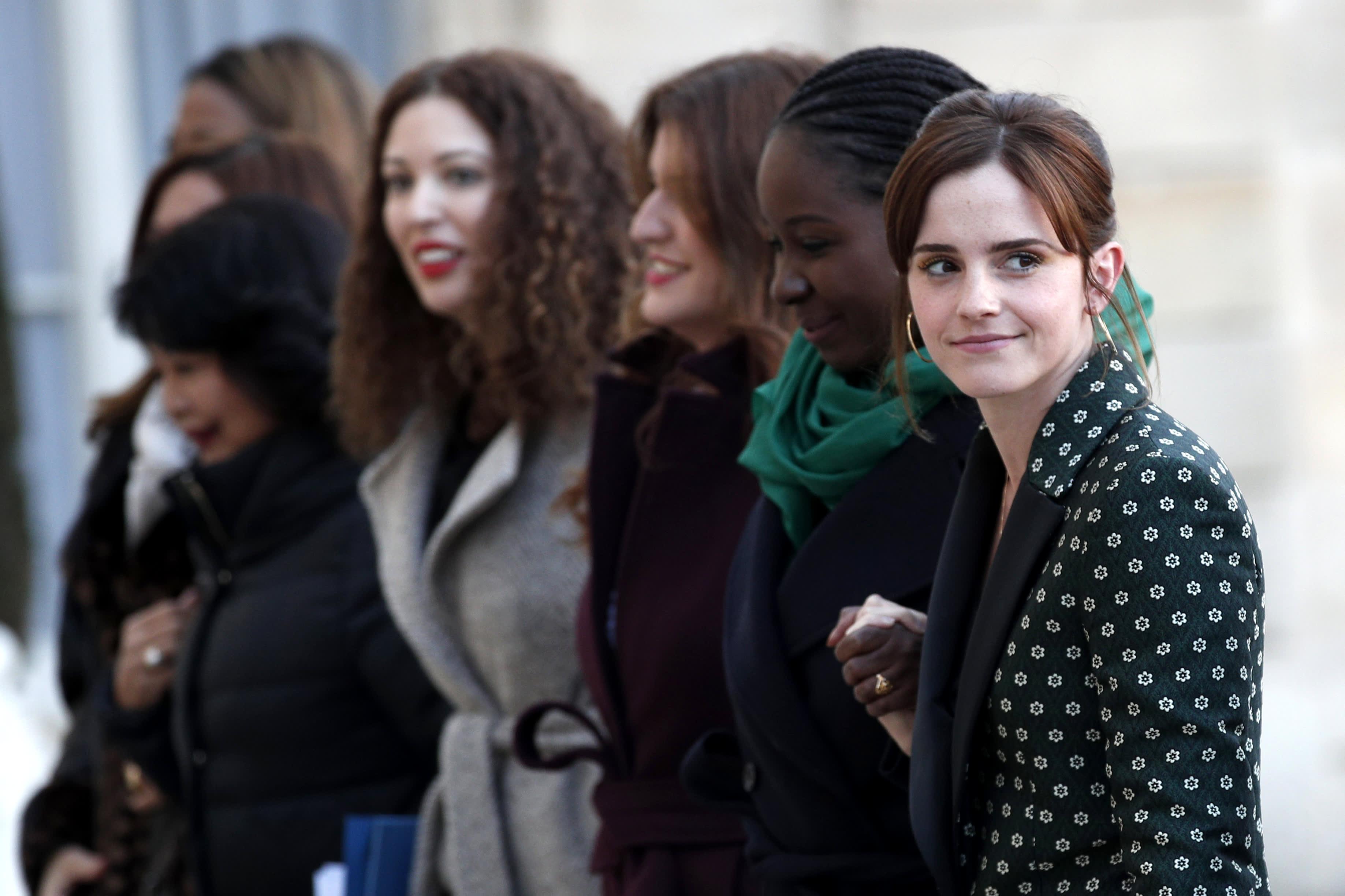 YK:n hyväntahdonlähettiläs Emma Watson sukupuolten tasa-arvoa edistävässä tapaamisessa Pariisissa helmikuussa 2019.