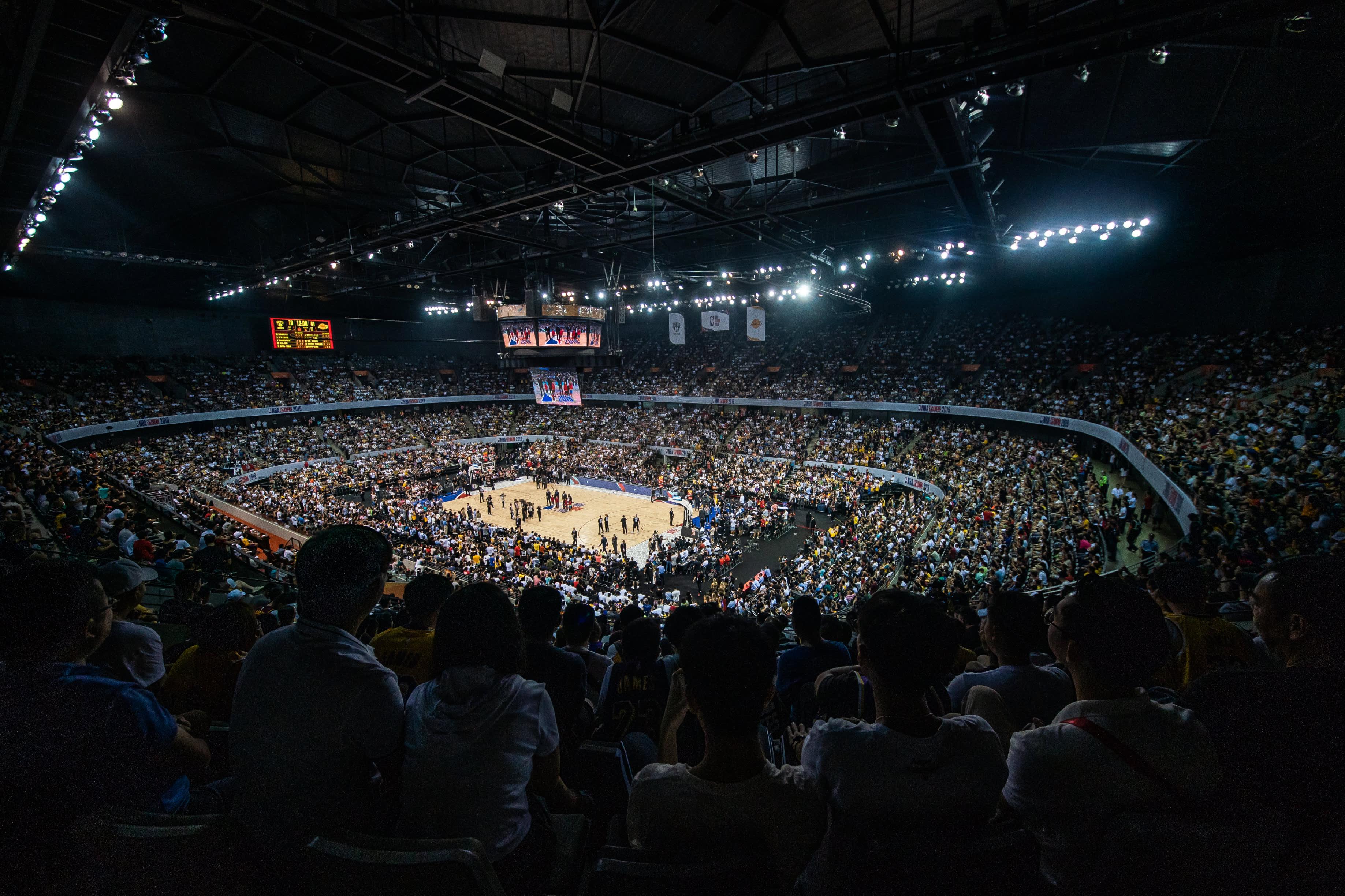 Los Angeles Lakers ja Brooklyn Nets väänsivät Kiinassa Shenzhenissä marraskuussa 2019