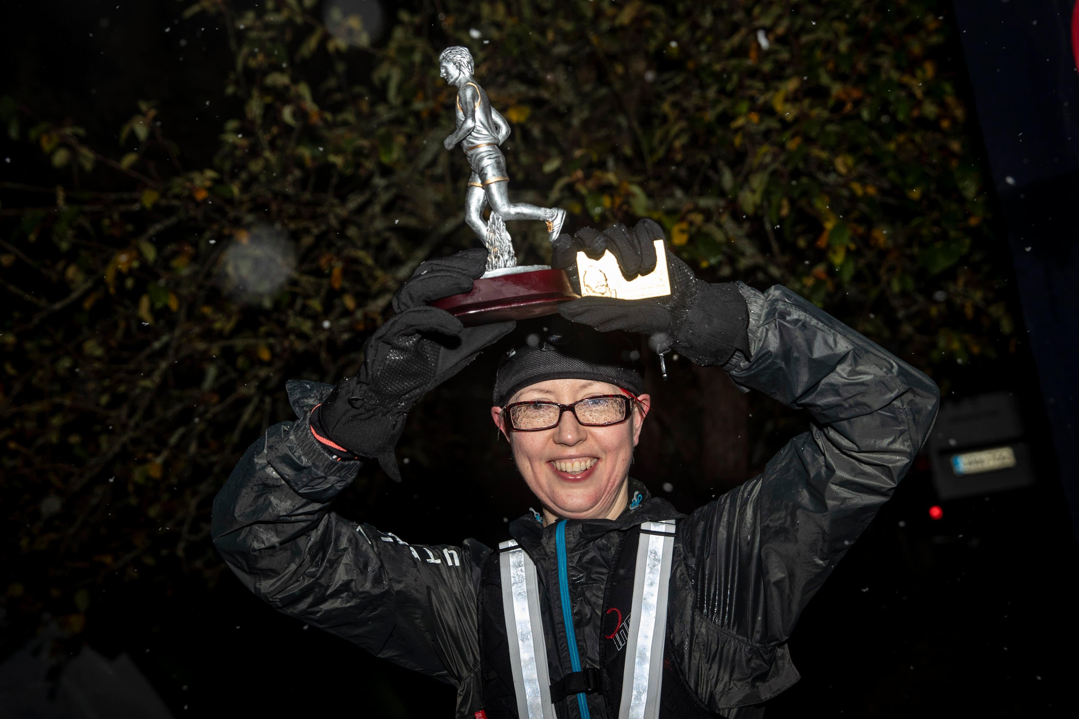 Kati Ahokas tuulettaa voittoa