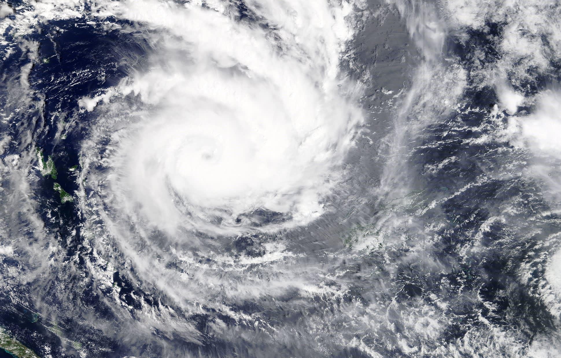 Satelliittikuva Fidžiä lähestyvästä sykloni Yasasta.