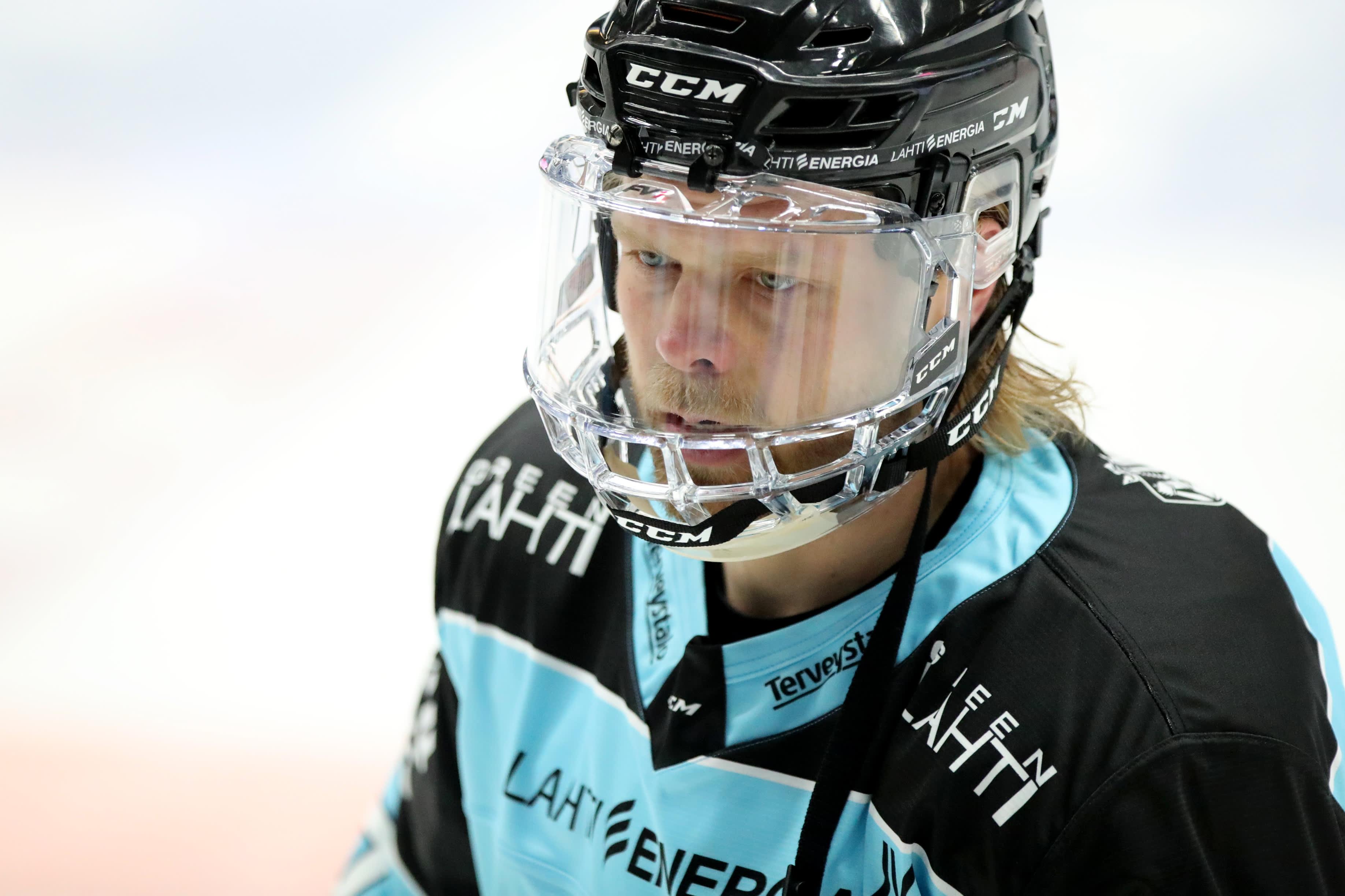 Antti Tyrväinen, Pelicans