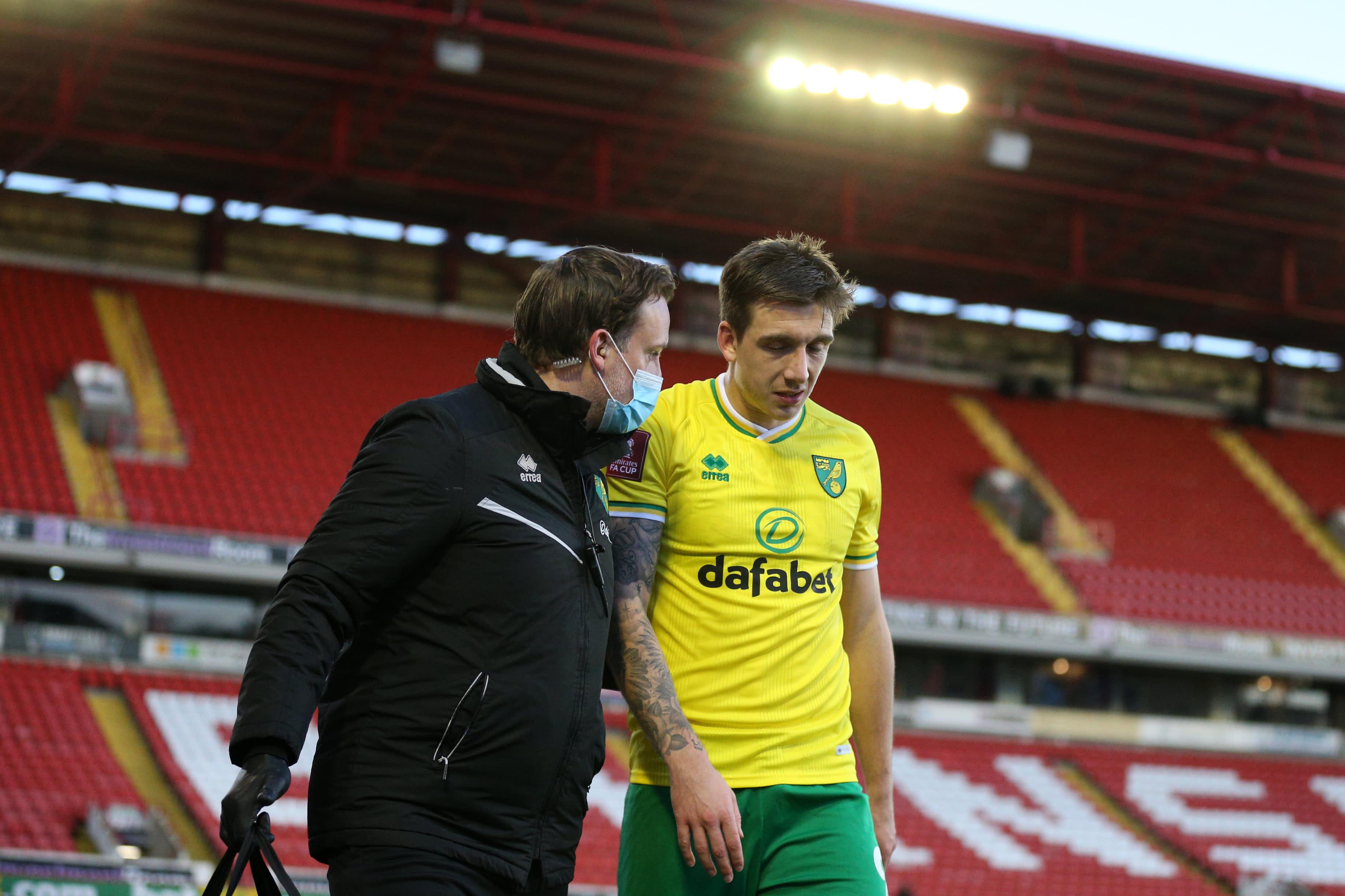 Norwich Cityn Jordan Hugill sai ottelun aikana pientä lääkehuoltoa.